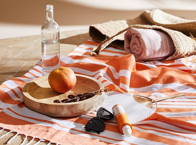 Stylishe Strandtücher für den Tag am See