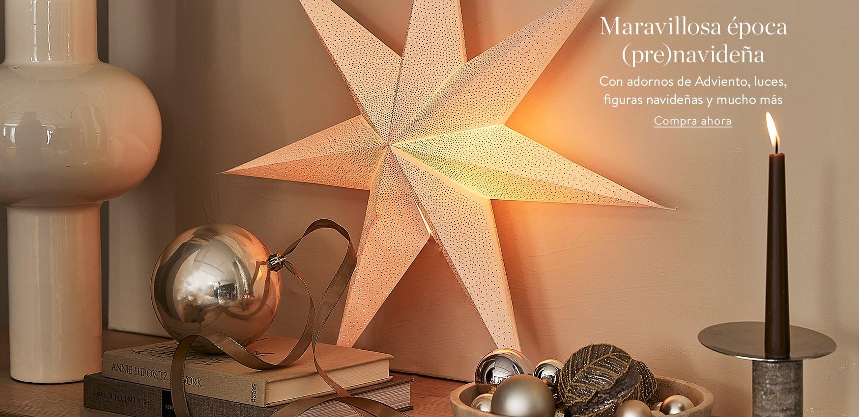 Maravillosa época (pre)navideña Con adornos de Adviento, luces, figuras navideñas y mucho más