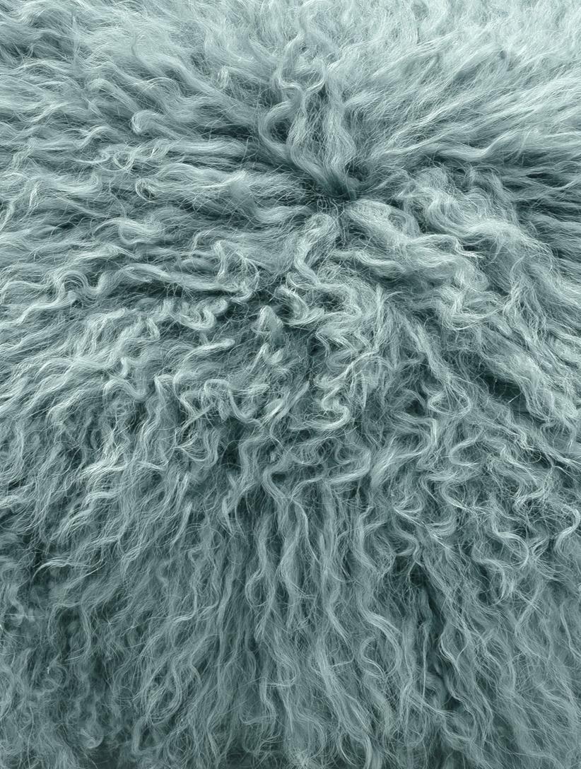 Langhaar-Lammfell Kissenhülle Ella, gelockt, Vorderseite: 100% mongolisches Lammfel, Rückseite: 100% Polyester, Dunkles Türkis, 40 x 40 cm