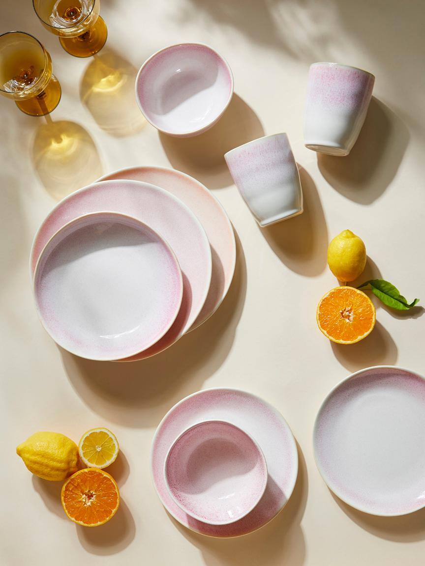 Handgemachte Frühstücksteller Amalia mit effektvoller Glasur, 2 Stück, Porzellan, Hellrosa, Cremeweiss, Ø 20 cm