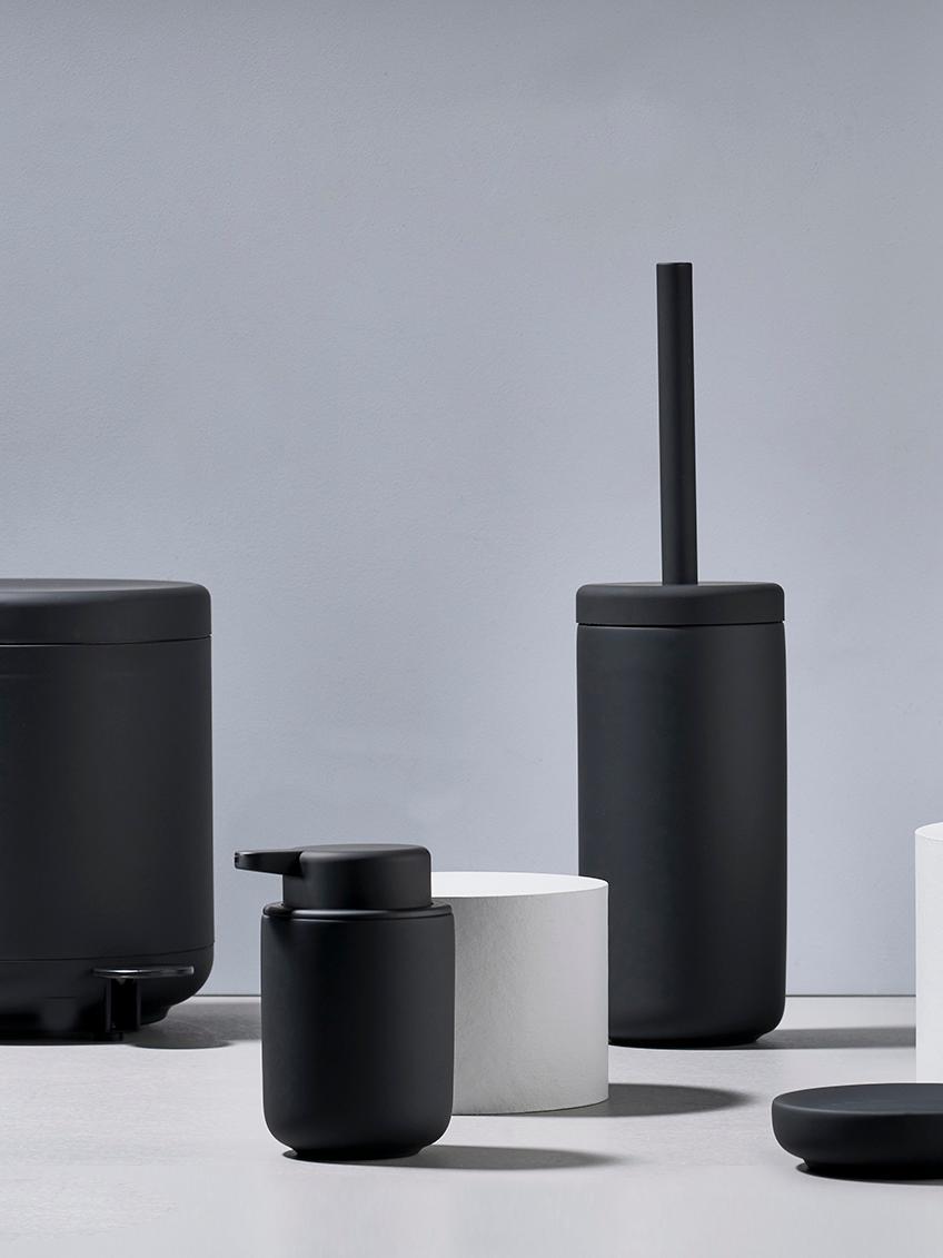 Zahnputzbecher Ume aus Steingut, Steingut überzogen mit Soft-touch-Oberfläche (Kunststoff), Schwarz, matt, Ø 8 x H 10 cm