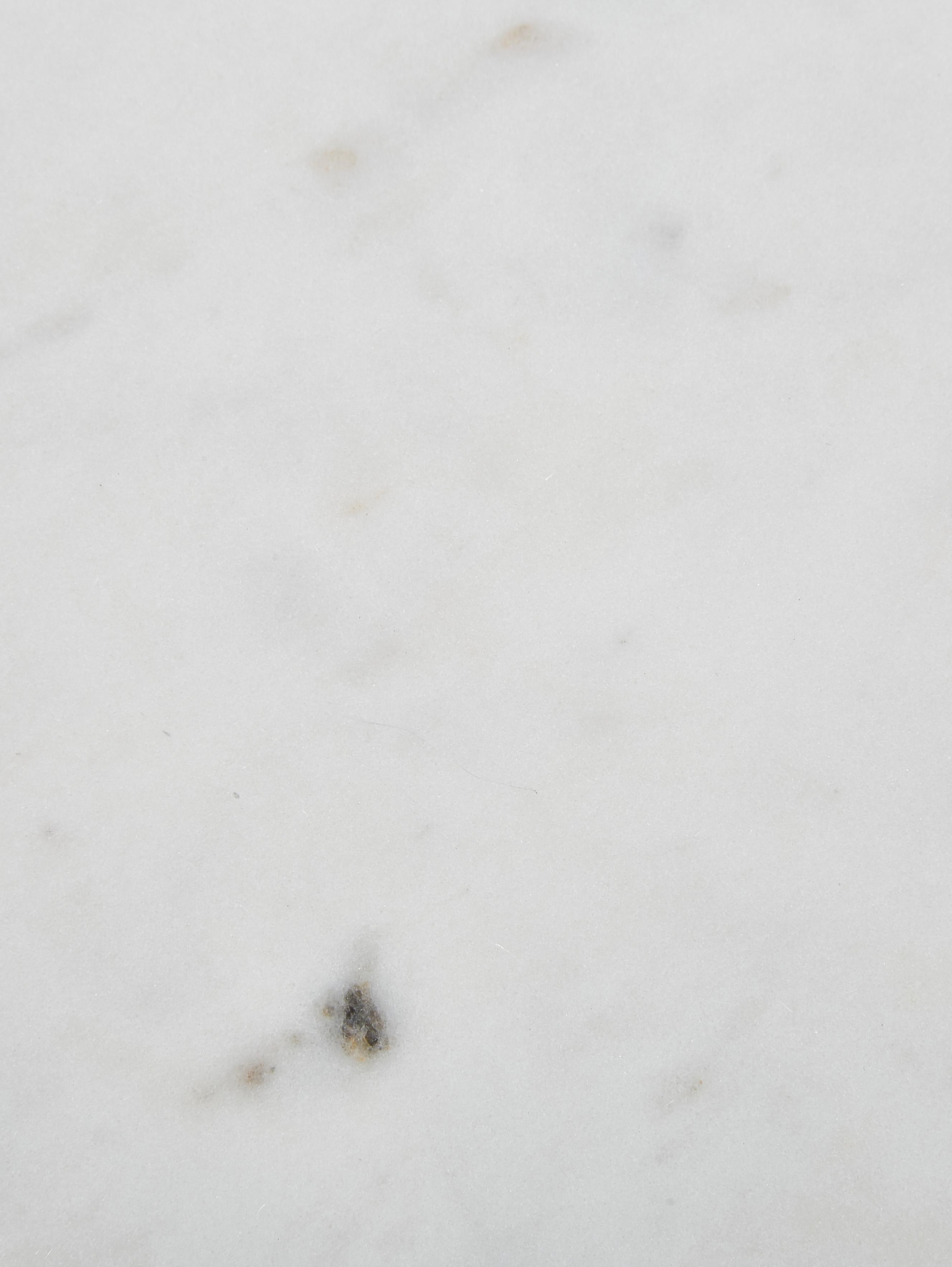 Mesa auxiliar redonda de mármol Ella, Tablero: mármol, Estructura: metal con pintura en polv, Mármol blanco grisáceo, dorado, Ø 40 x Al 50 cm