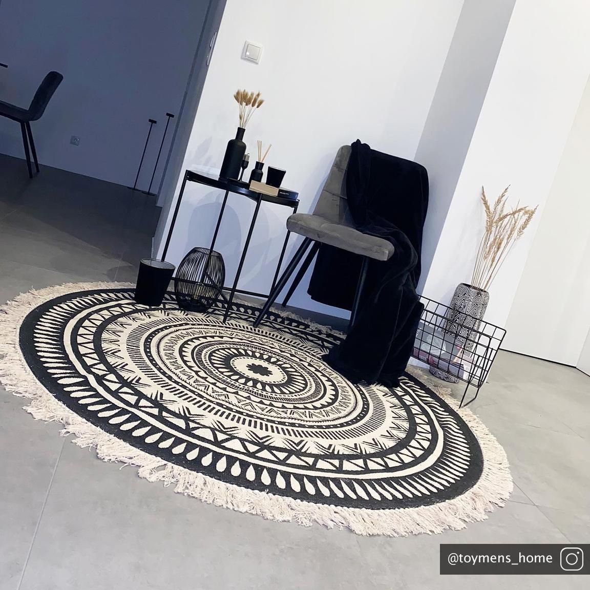 Alfombra redonda artesanal con flecos Benji, Negro, beige, Ø 150 cm (Tamaño M)