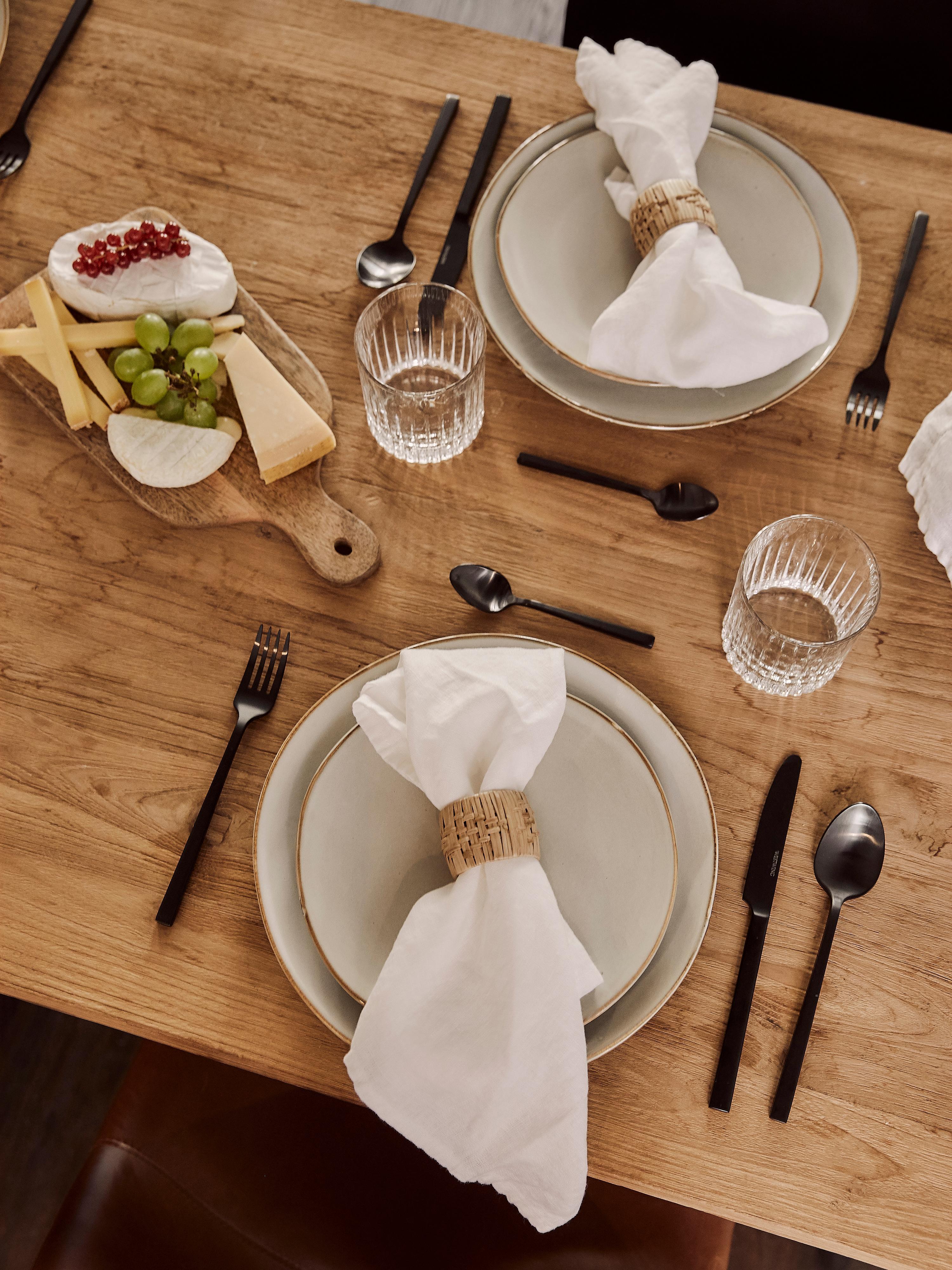 Piattino da dessert fatto a mano Thalia 2 pz, Terracotta, Crema con bordo scuro, Ø 22 cm