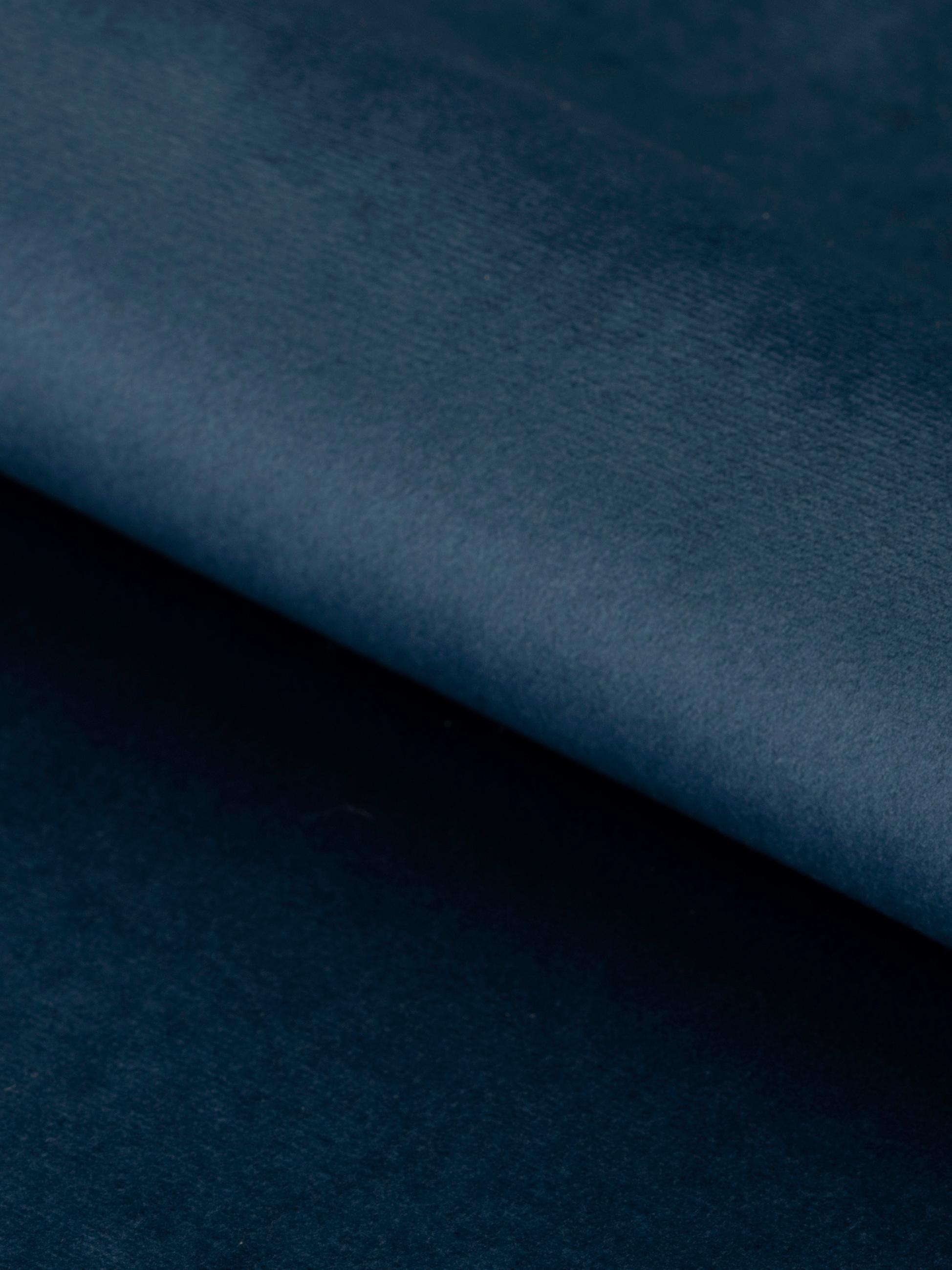 Drehbarer Samt-Armlehnstuhl Lucie, Bezug: Polyestersamt 25.000 Sche, Beine: Metall, pulverbeschichtet, Samt Dunkelblau, B 58 x T 62 cm