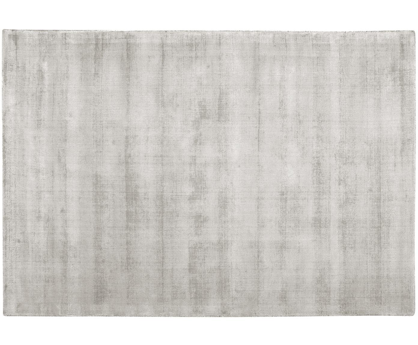 Handgeweven viscose vloerkleed Jane, Bovenzijde: 100% viscose, Onderzijde: 100% katoen, Lichtgrijs-beige, 160 x 230 cm