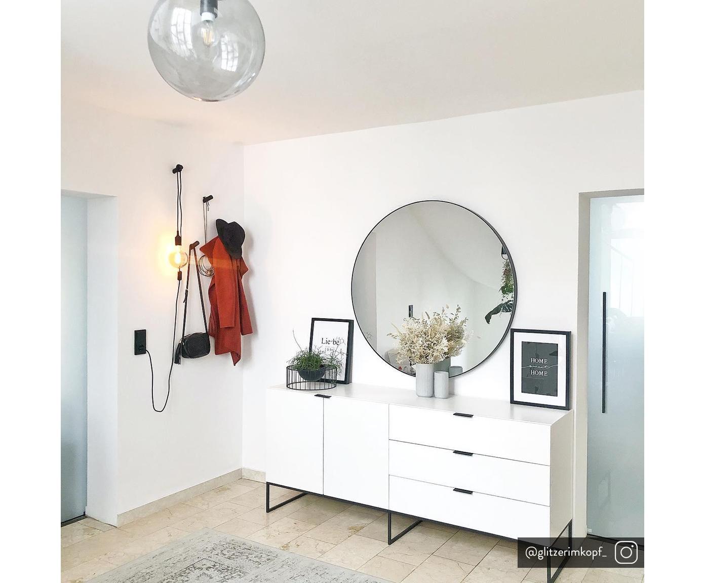Credenza bianca Kobe, Corpo e fronti: bianco, semi-opaco Piedini e manici: nero, Larg. 180 x Alt. 80 cm