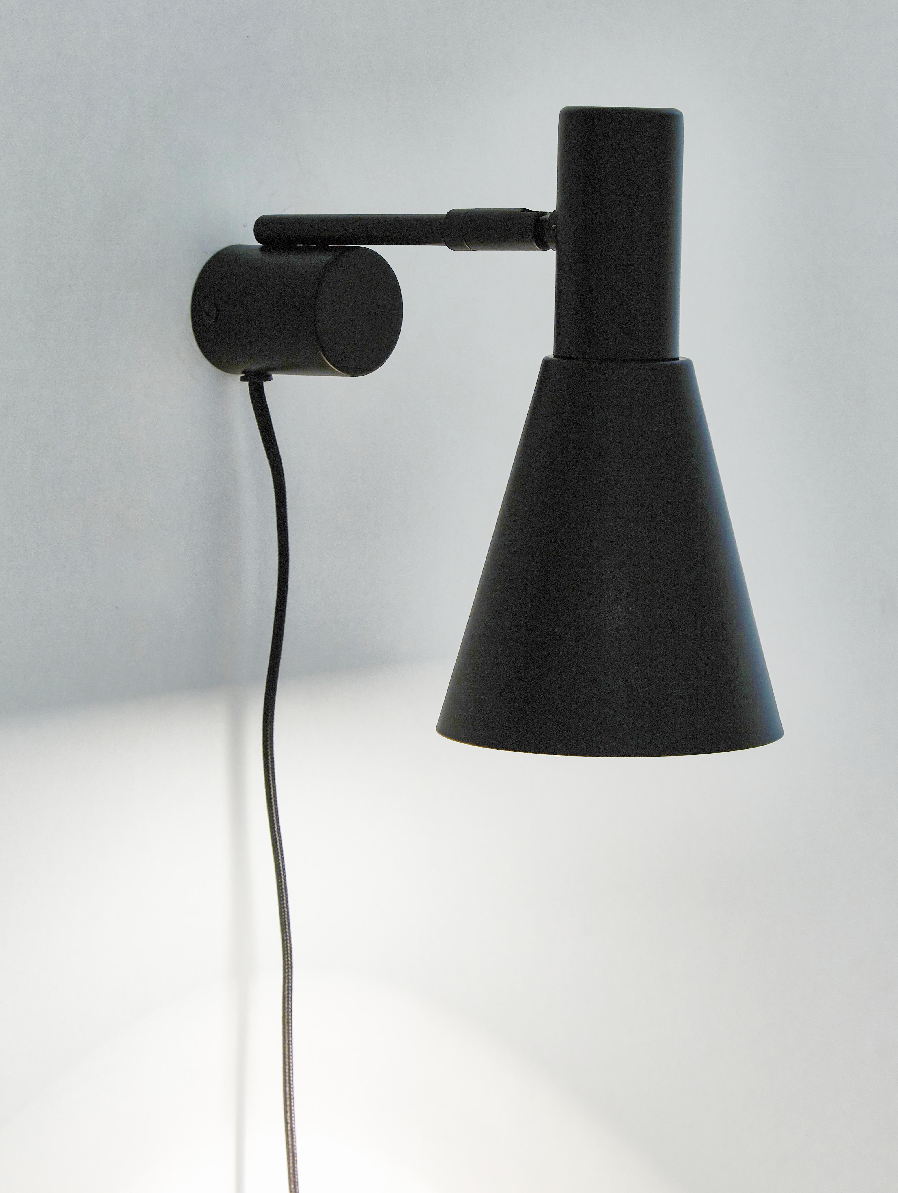 Wandleuchte Sia mit Stecker, Lampenschirm: Metall, pulverbeschichtet, Lampenfuß: Metall, pulverbeschichtet, Schwarz, 13 x 27 cm