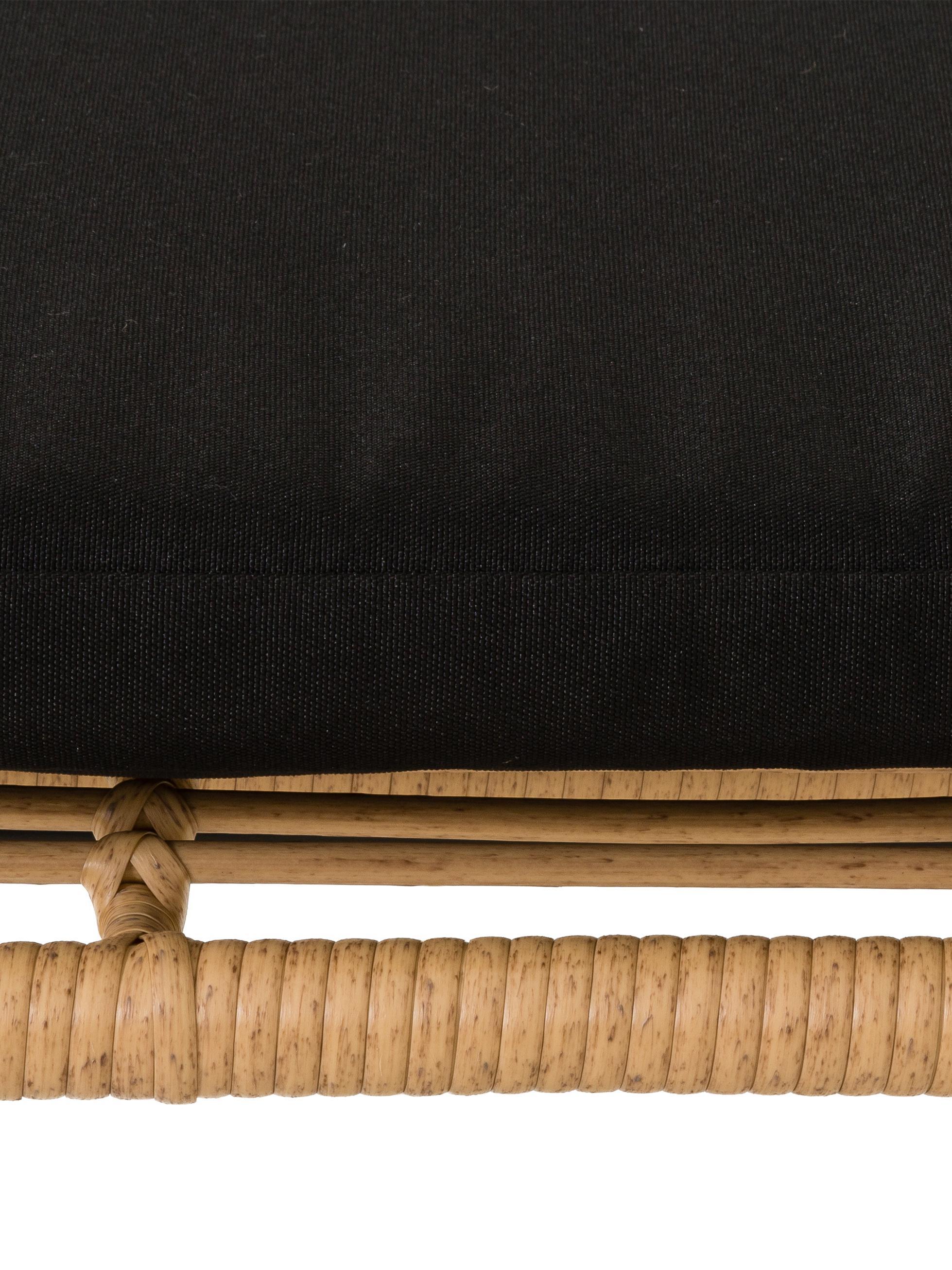 Banco de exterior de mimbre Costa, Asiento: polietileno, Estructura: metal con pintura en polv, Bayo, An 137 x Al 73 cm