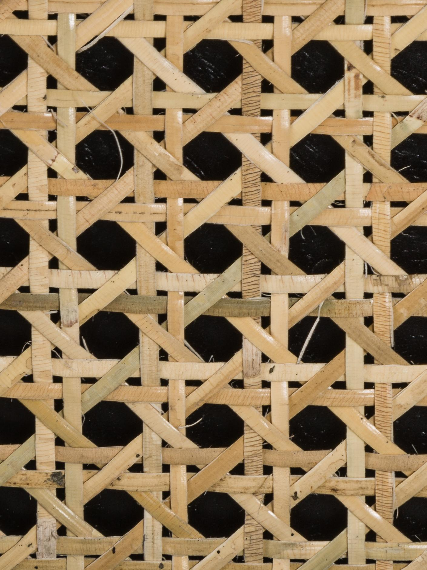 Schubladenkommode Vienna mit Wiener Geflecht, Korpus: Massives Mangoholz, lacki, Füße: Metall, pulverbeschichtet, Schwarz, Beige, 105 x 78 cm