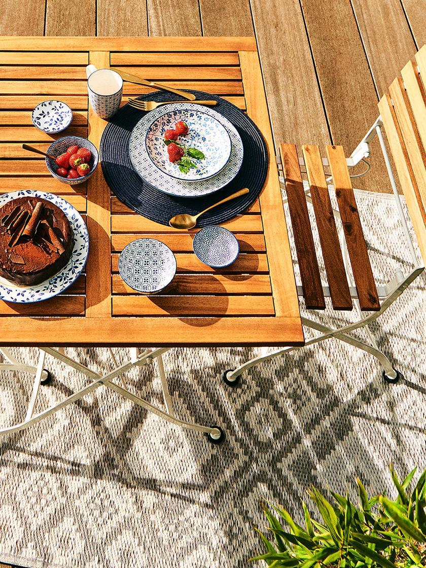 Klapstoelen Parklife, 2 stuks, Zitvlak: geolied acaciahout, ®FSC-, Frame: verzinkt en gepoedercoat , Wit, acaciahoutkleurig, B 47 x D 59 cm