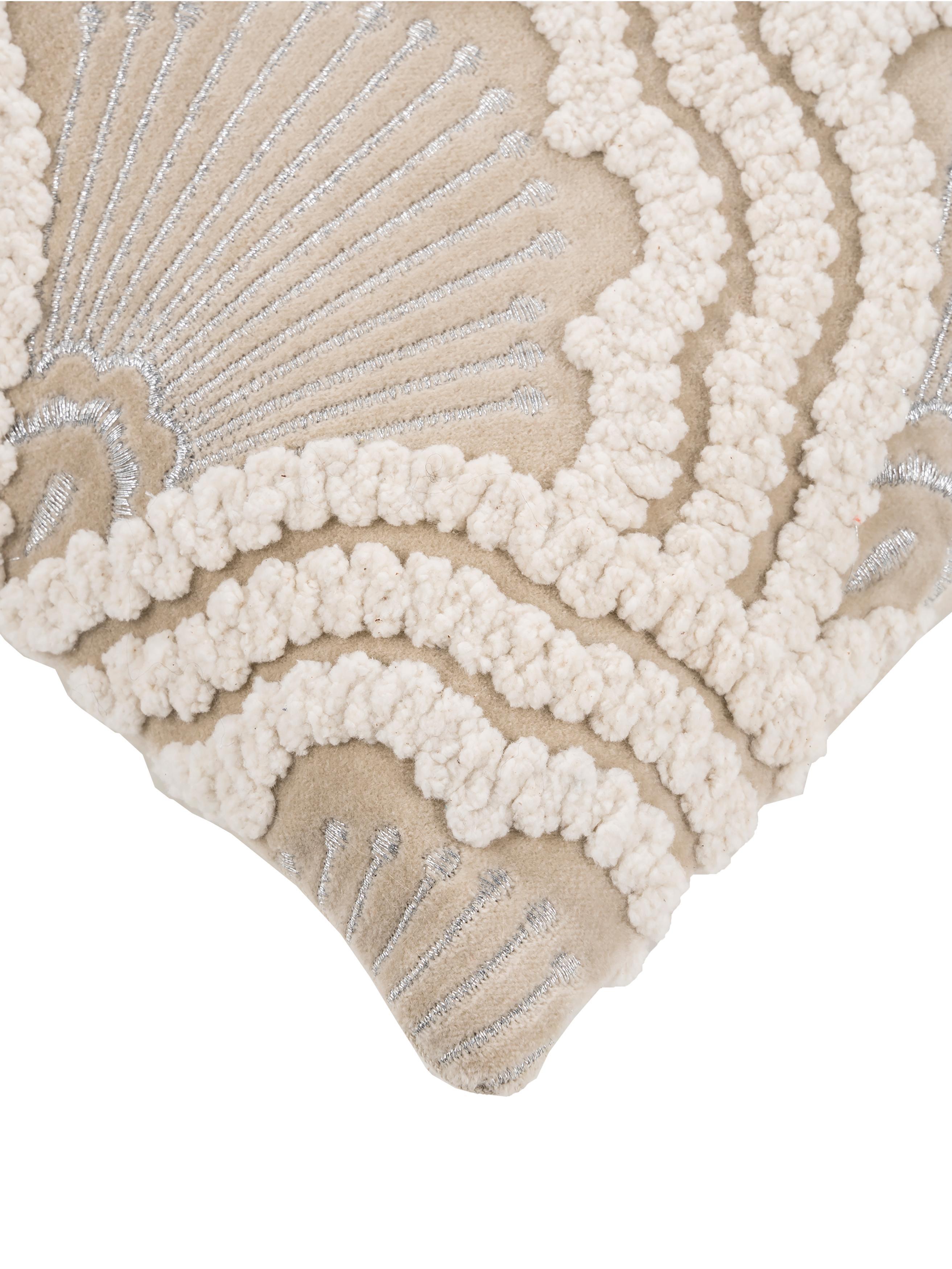 Geborduurde fluwelen kussenhoes Chelsey met hoog-laag patroon, Katoen, Lichtbeige, 45 x 45 cm