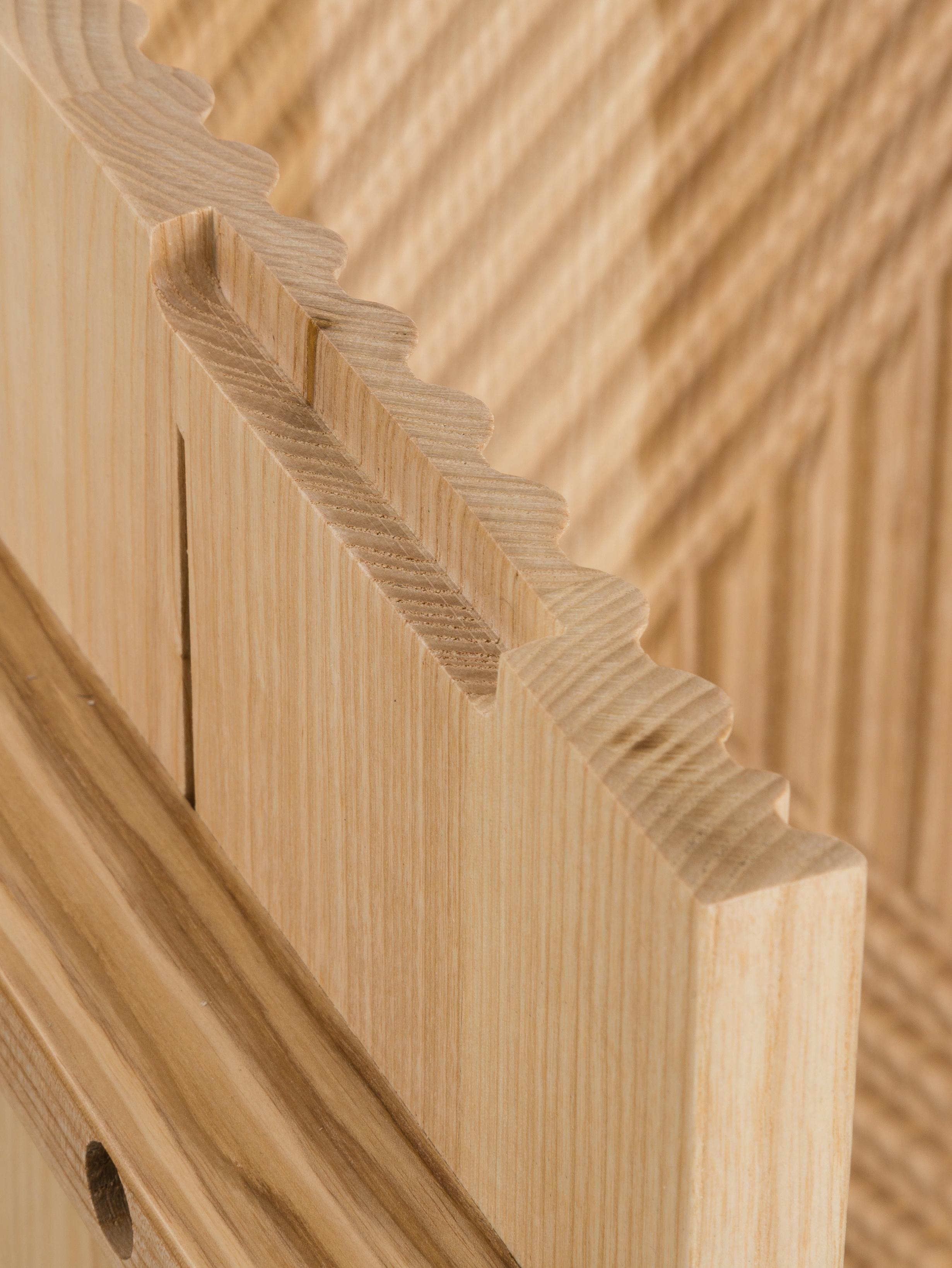Sideboard Louis aus Massivholz, Massives Eschenholz, lackiert, Eschenholz, 177 x 75 cm
