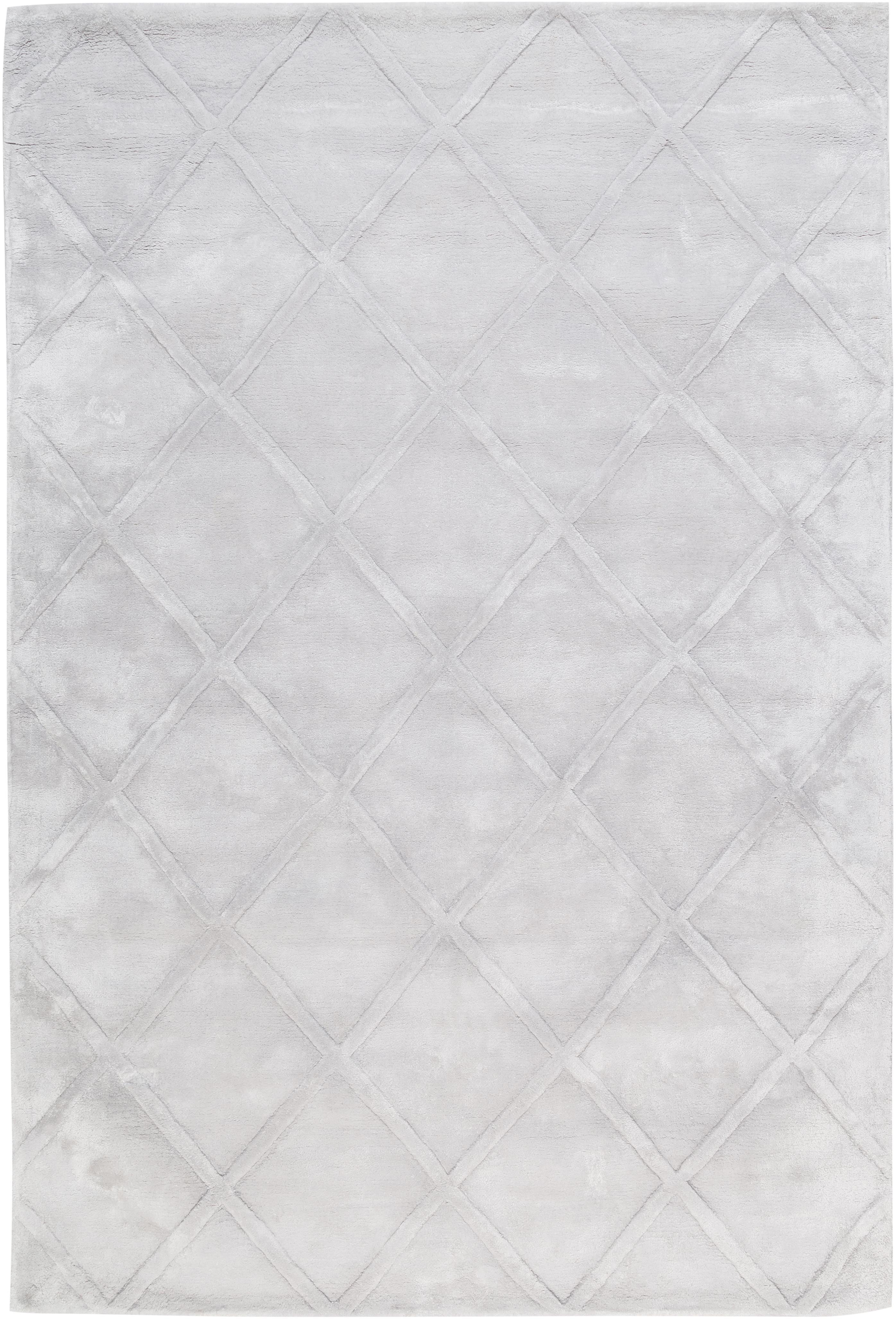 Handgetufteter Viskoseteppich Shiny in Silbergrau mit Rautenmuster, Flor: 100% Viskose, Helles Silbergrau, B 120 x L 180 cm (Grösse S)