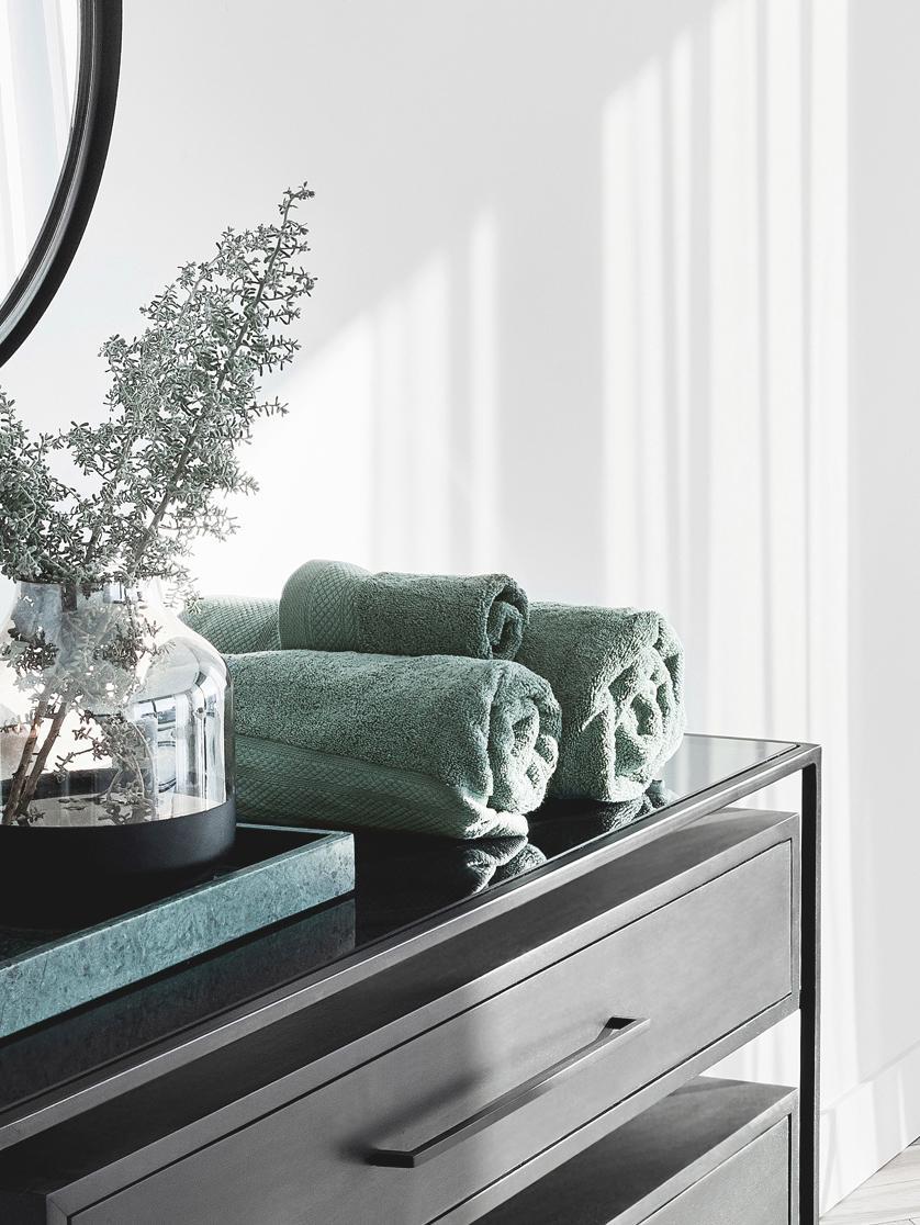 Toalla con cenefa clásica Premium, 100%algodón Gramaje superior 600g/m², Verde salvia, Toallas tocador