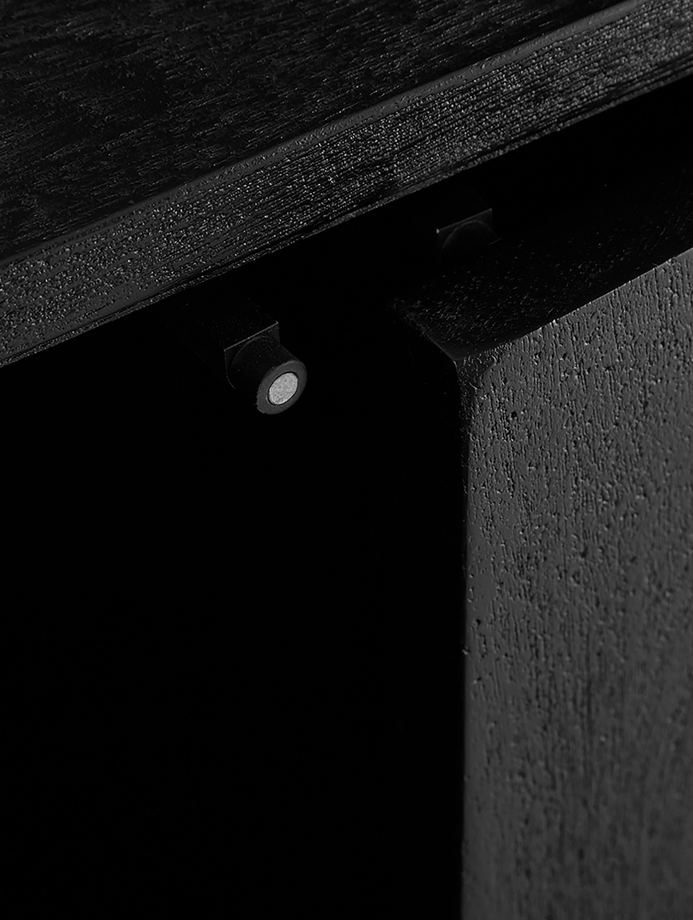 Credenza in legno massello Luca, Struttura: metallo verniciato a polv, Corpo: nero, verniciato struttura: nero, opaco, Larg. 160 x Alt.70 cm