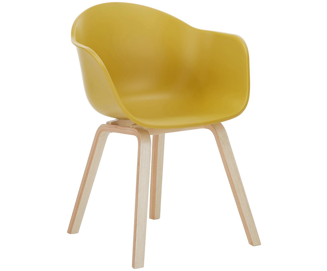 Kunststoffen armstoel Claire met houten poten, Zitvlak: kunststof, Poten: beukenhout, Zitvlak: geel. Poten: beukenhoutkleurig, B 61 x D 58 cm