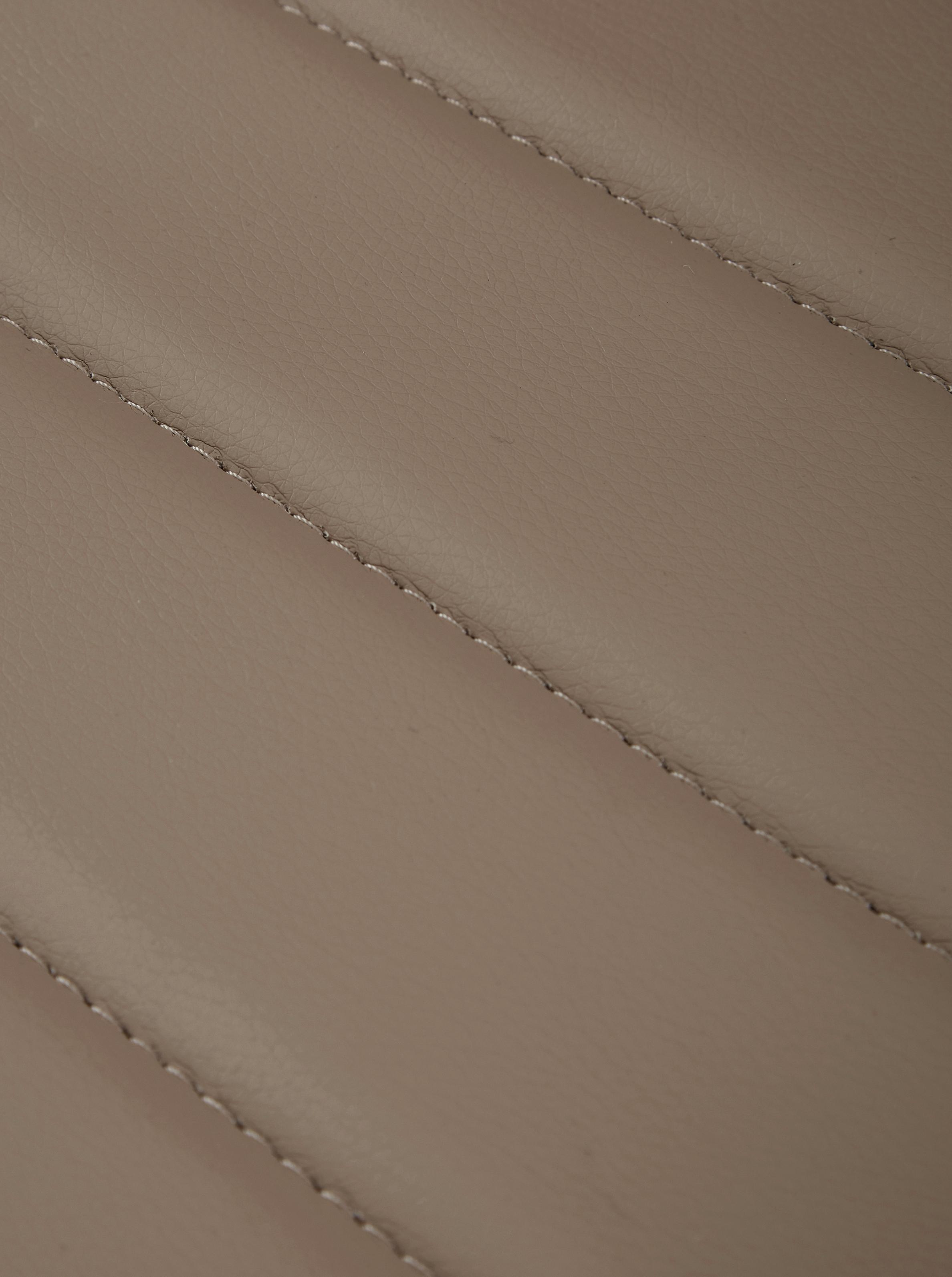 Kunstleder-Chefsessel Praga, höhenverstellbar, Gestell: Metall, verchromt, Bezug: Kunstleder (Polyurethan), Armlehnen: Metall, Polyurethan, Rollen: Nylon, Taupe, 59 x 110 cm