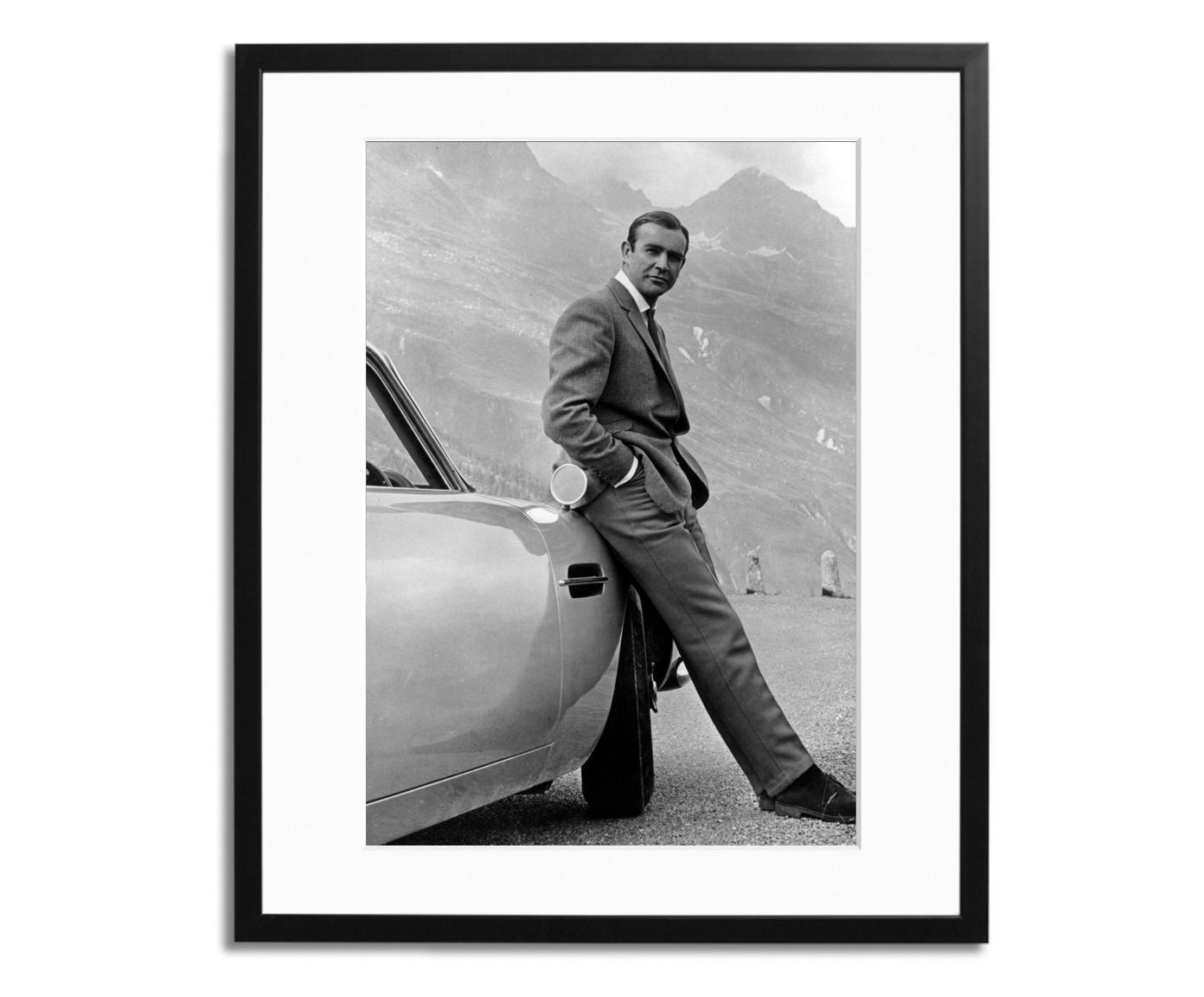 Ingelijste fotoprint Connery, Afbeelding: Fuji Crystal Archive-papi, Lijst: plexiglas, gelakt hout, Zwart, wit, 40 x 50 cm
