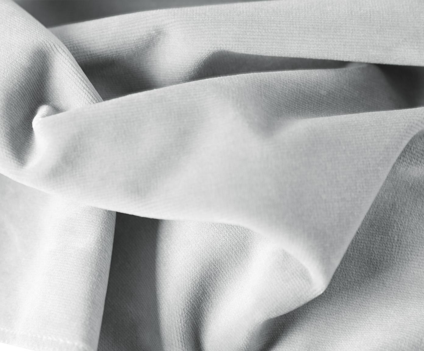 Divano angolare in velluto grigio chiaro Fluente, Rivestimento: velluto (copertura in pol, Struttura: legno di pino massiccio, Piedini: metallo verniciato, Velluto grigio chiaro, Larg. 221 x Prof. 200 cm