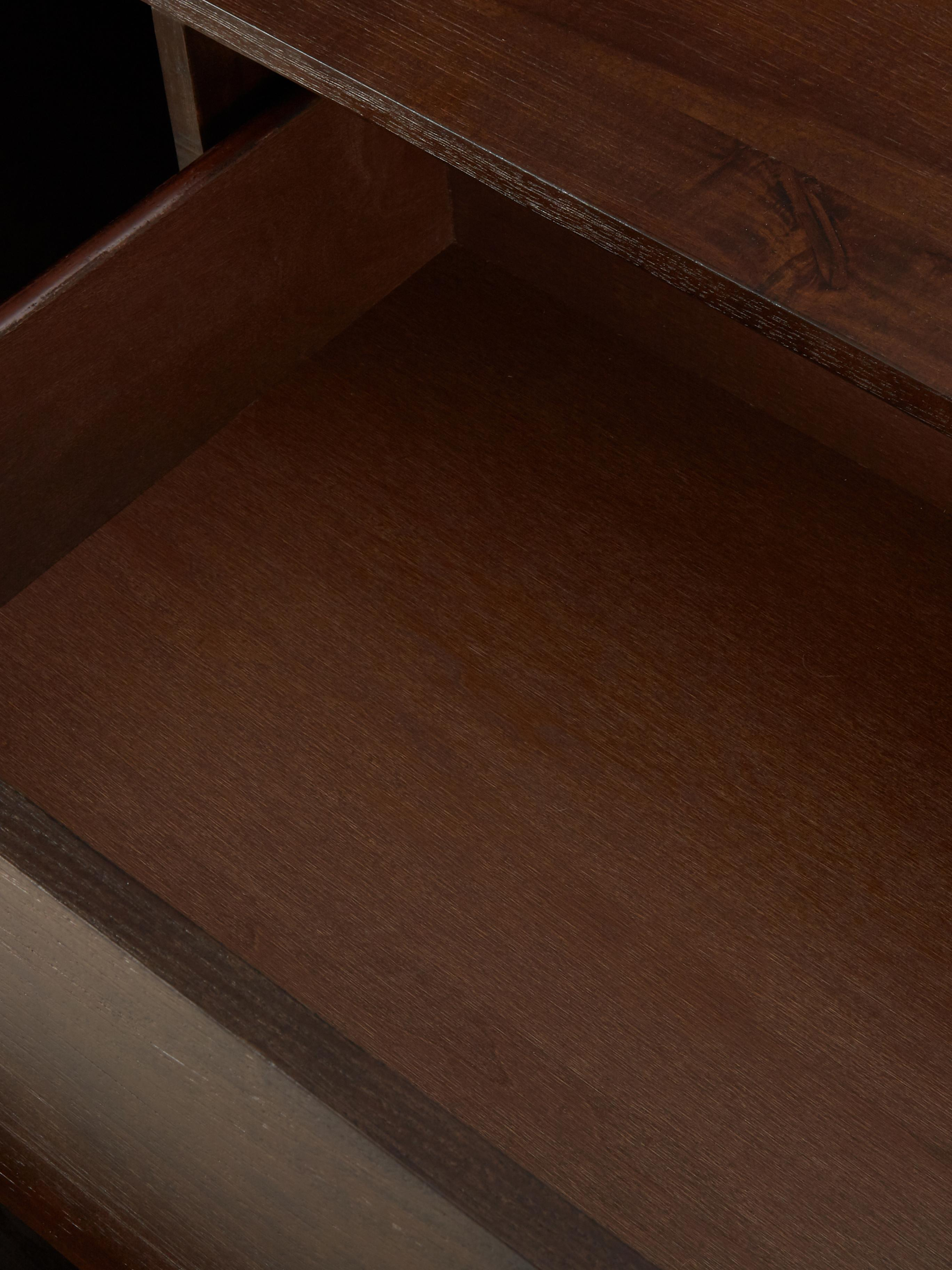 Komoda w jodełkę Class, Korpus: płyta pilśniowa średniej , Drewno akacjowe, odcienie mosiądzu, S 180 x W 80 cm