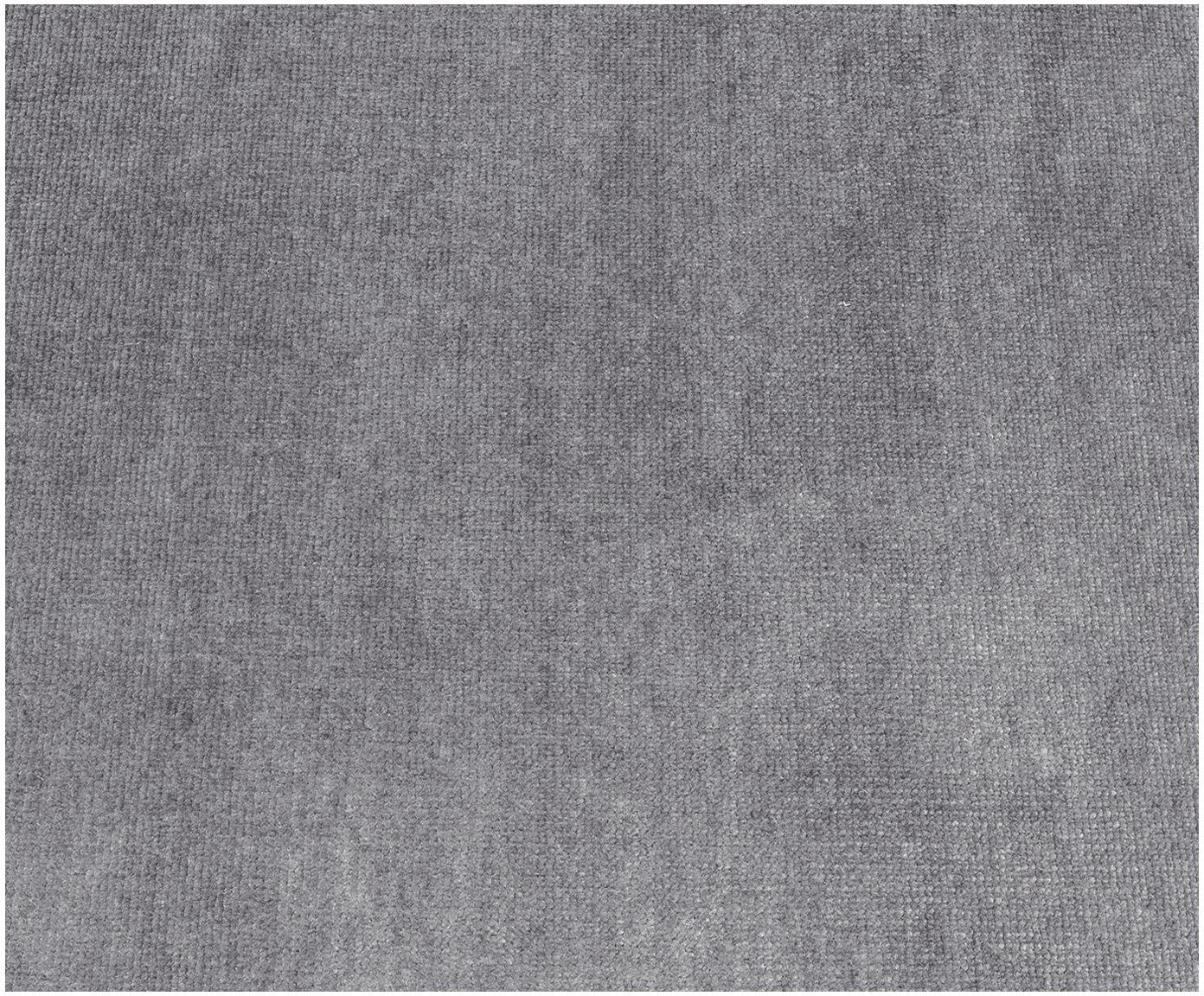 Puf z aksamitu Moby, Tapicerka: aksamit (wysokiej jakości, Stelaż: lite drewno sosnowe, Nogi: metal malowany proszkowo, Szary aksamit, S 78 x W 48 cm