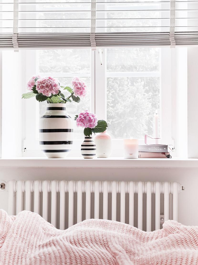 Vaso di design fatto a mano Omaggio, Ceramica, Nero, bianco, Ø 8 x Alt. 13 cm