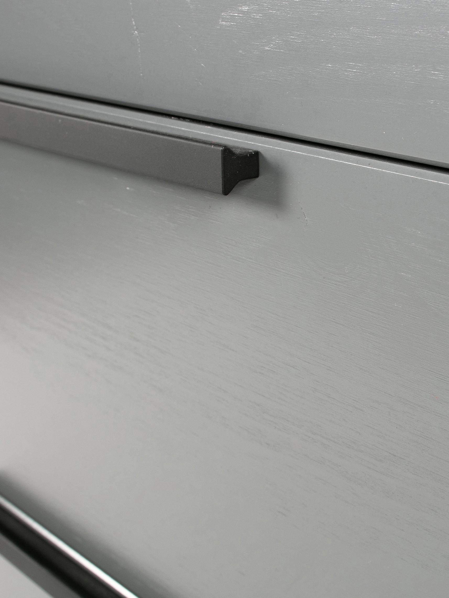 Graue Kommode Adam mit Schubladen, Korpus: Kiefernholz, lackiert, Stahlgrau, 94 x 93 cm
