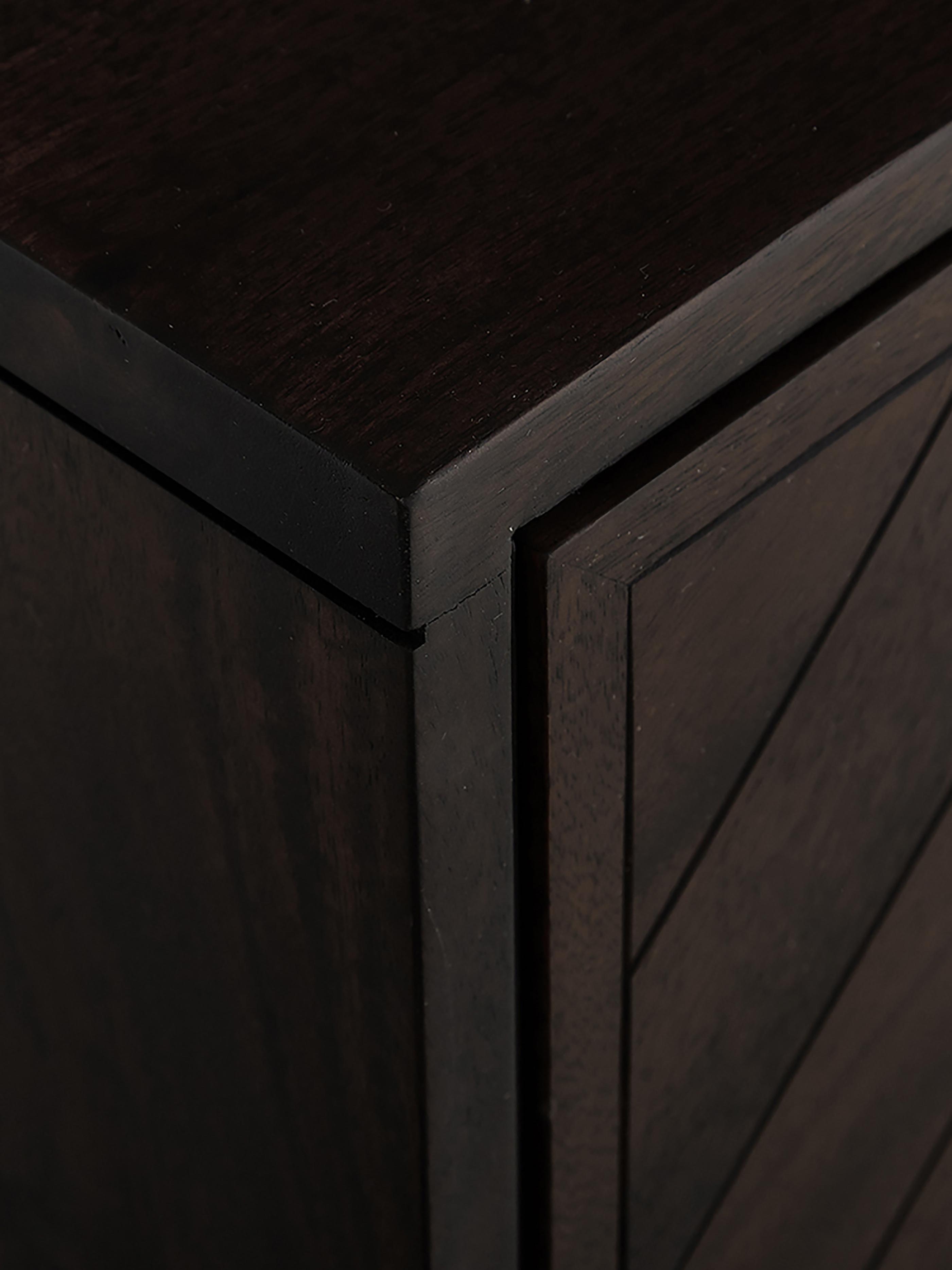 Visgraat dressoir Luca, Frame: gecoat metaal, Donkerbruin, 160 x 70 cm
