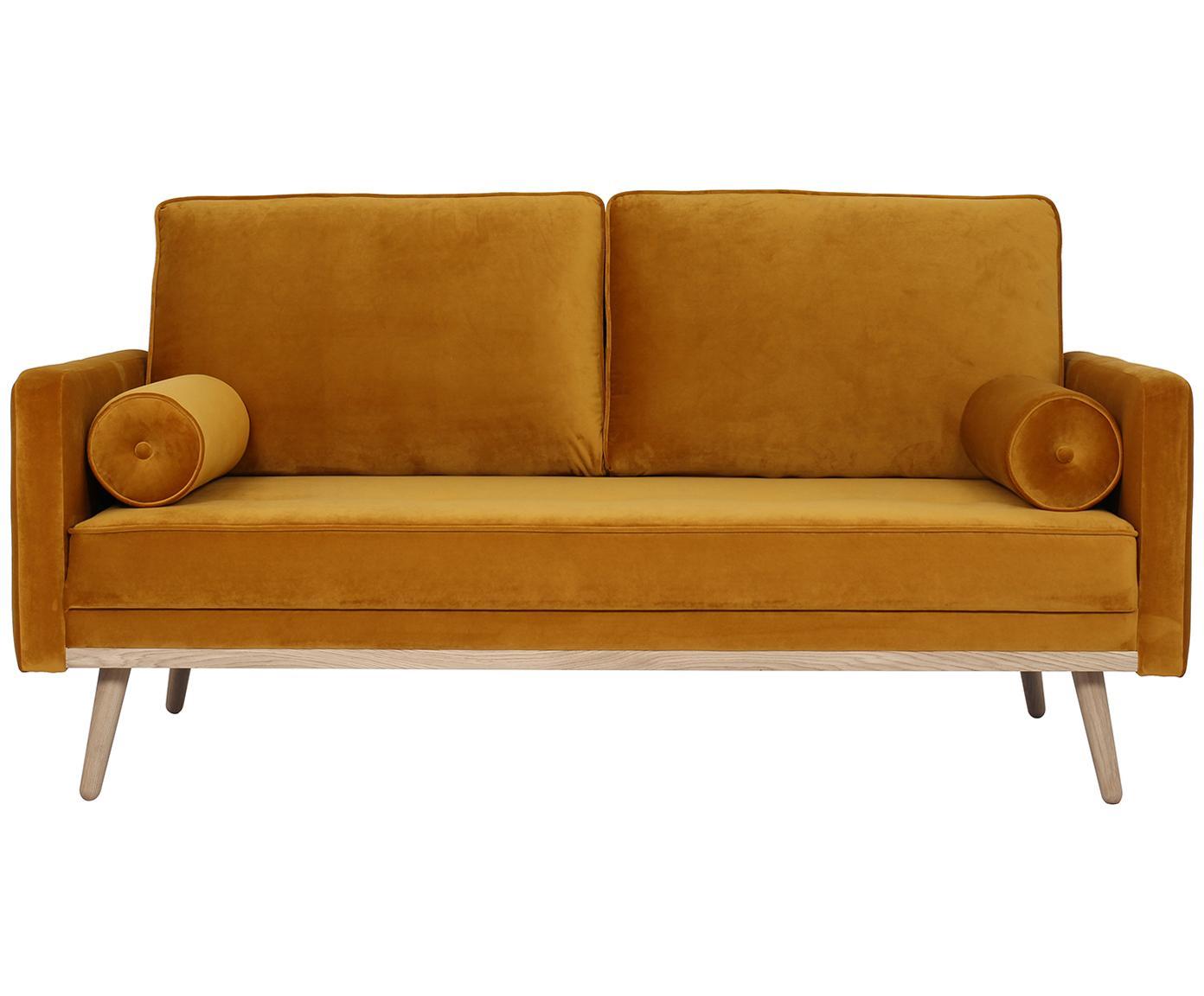 Fluwelen bank Saint (2-zits), Bekleding: fluweel (polyester), Frame: massief grenenhout, spaan, Bekleding: okergeel. Poten en frame: eikenhoutkleurig, B 169 x D 87 cm