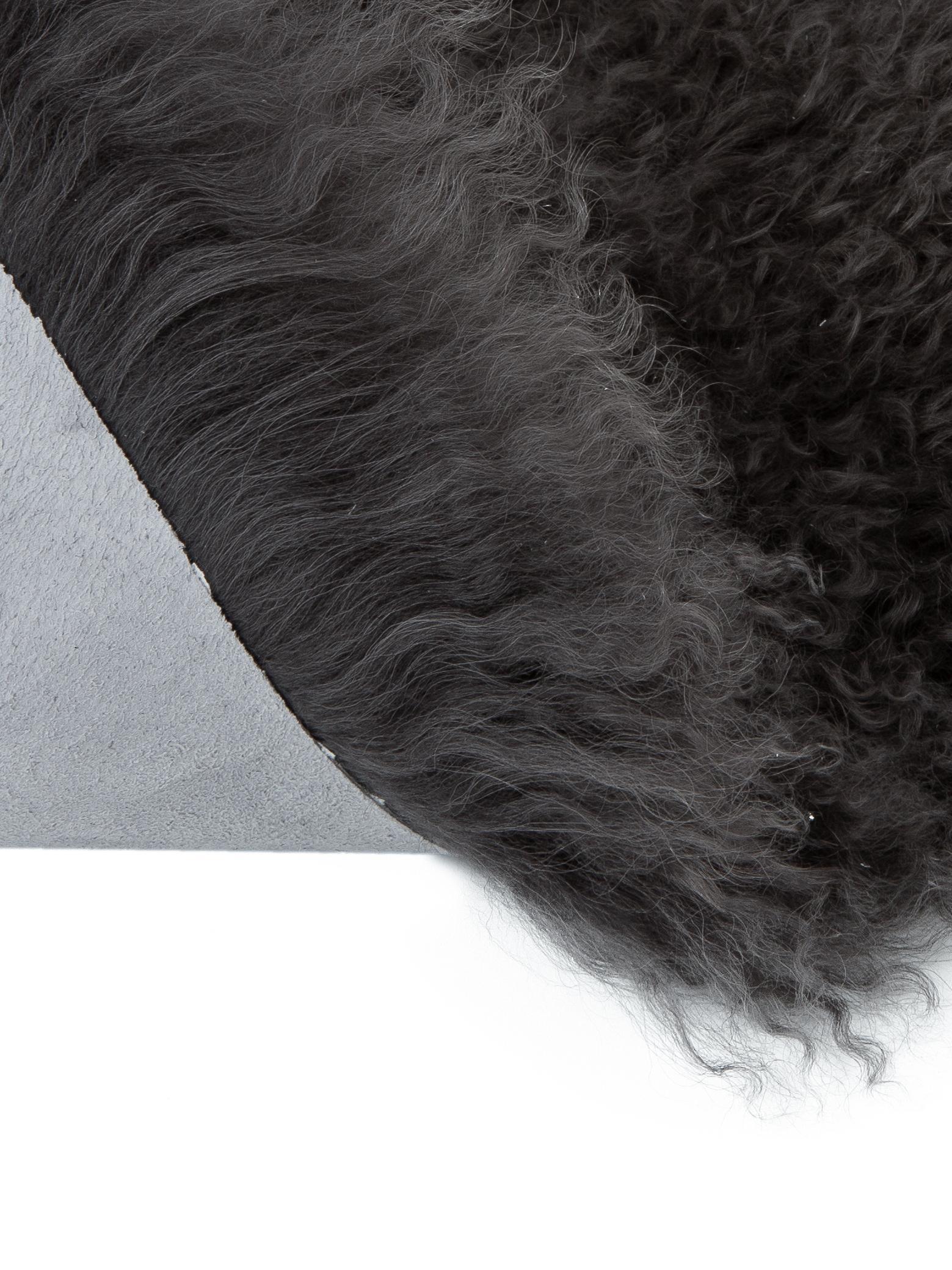 Pelliccia d'agnello a pelo lungo Ella, Retro: pelle, Grigio scuro, Larg. 50 x Lung. 80 cm