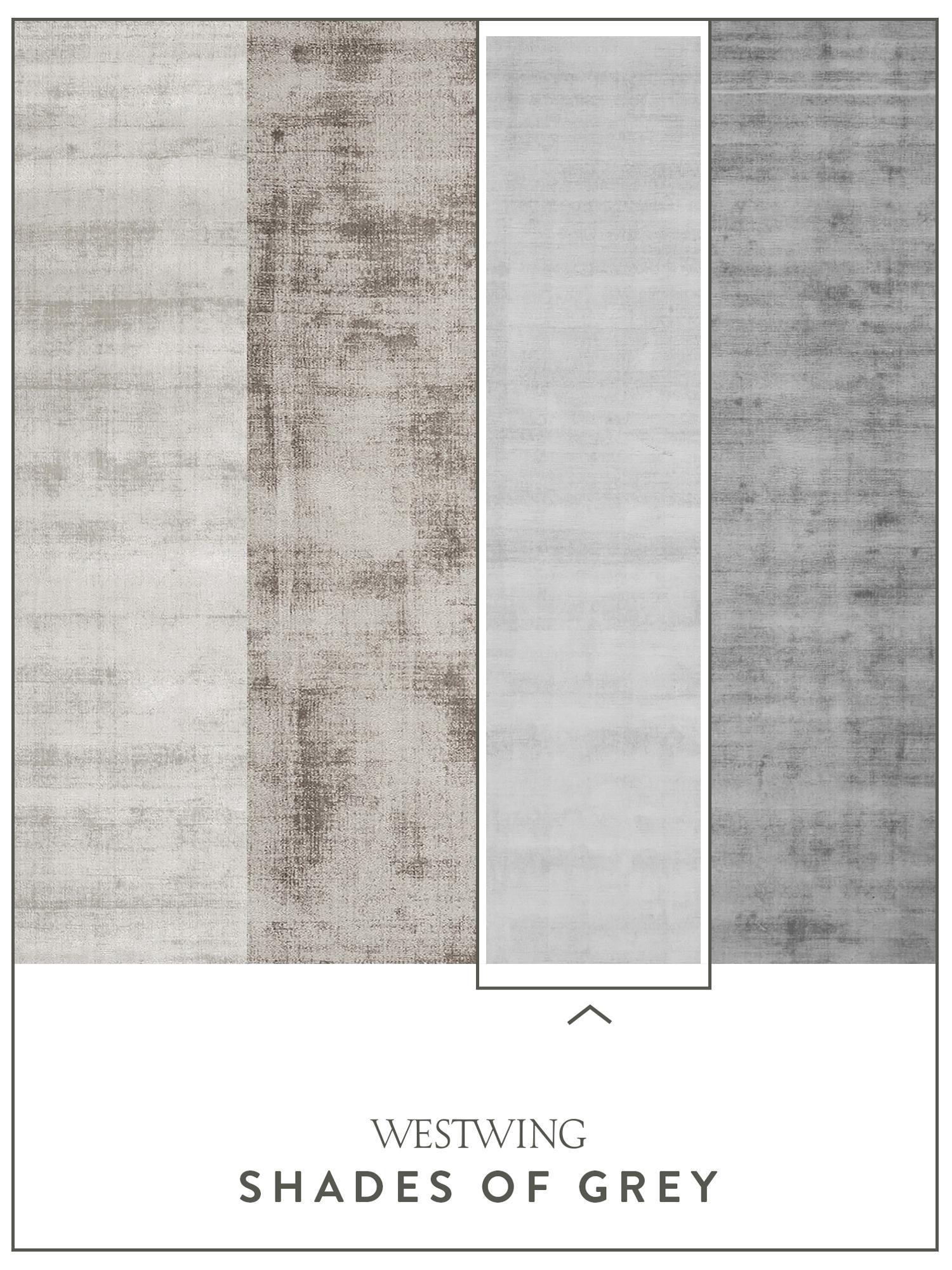 Alfombra artesanal de viscosa Jane, Parte superior: 100%viscosa, Reverso: 100%algodón, Gris plata, An 300 x L 400 cm (Tamaño XL)