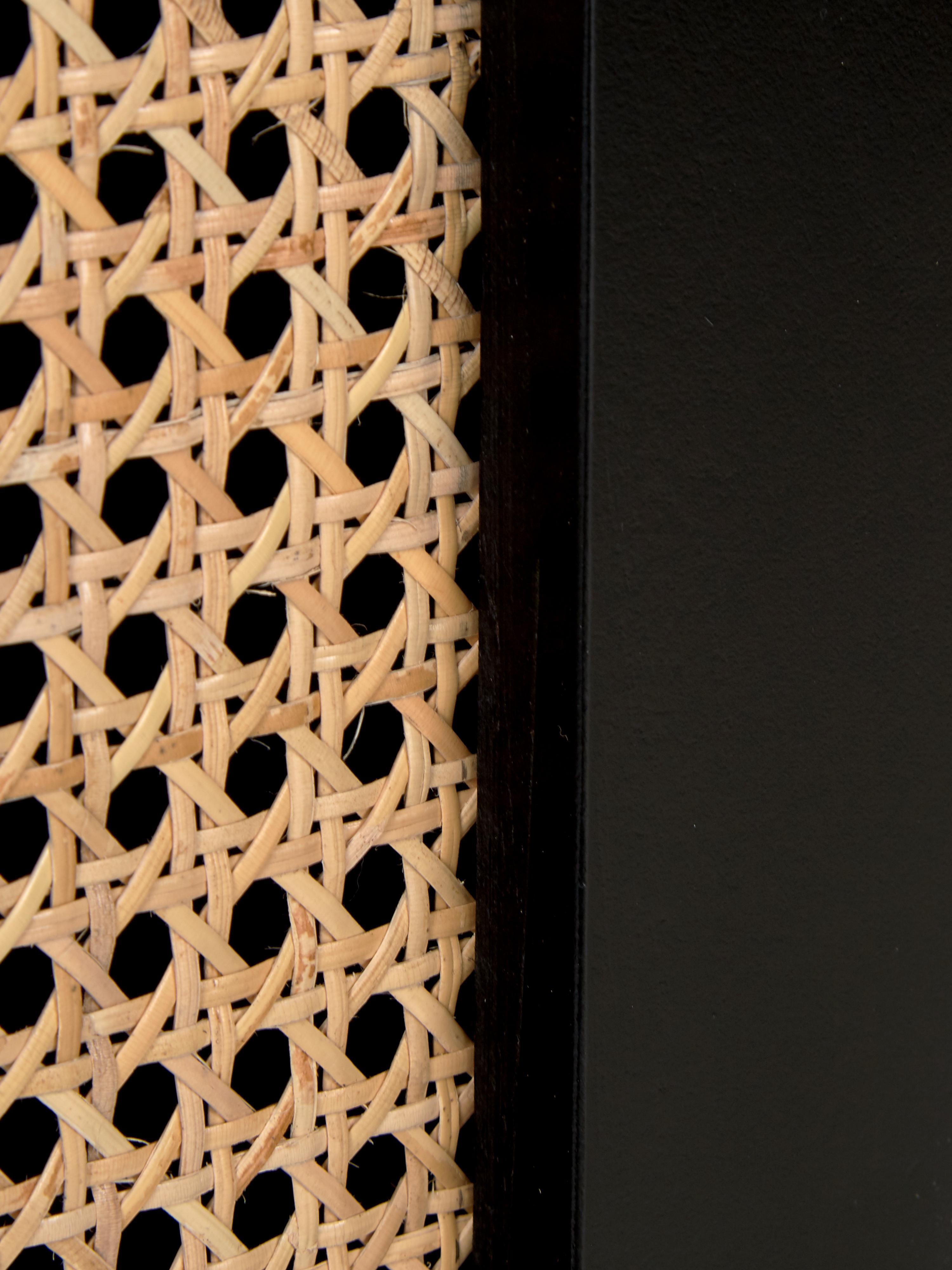 Lowboard Vienna mit Wiener Geflecht, Korpus: Massives Mangoholz, lacki, Füße: Metall, pulverbeschichtet, Schwarz, Beige, 160 x 50 cm