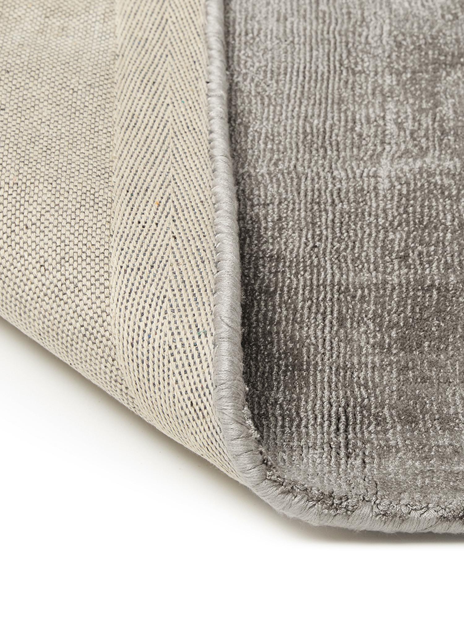 Alfombra artesanal de viscosa Jane, Parte superior: 100%viscosa, Reverso: 100%algodón, Gris pardo, An 120 x L 180 cm (Tamaño S)