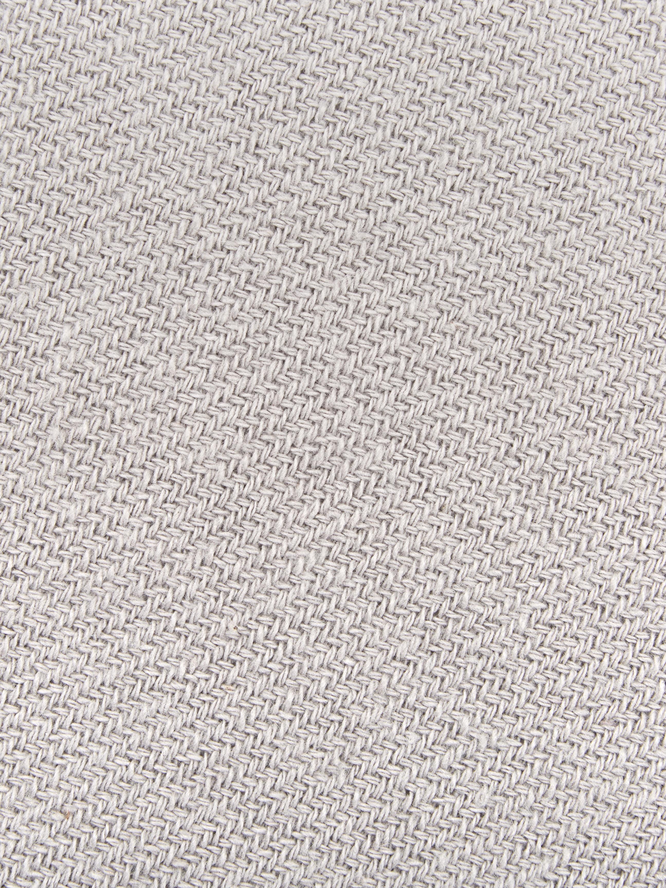 Einfarbiges Plaid Madison in Hellgrau mit Fransenabschluss, 100% Baumwolle, Hellgrau, 130 x 170 cm