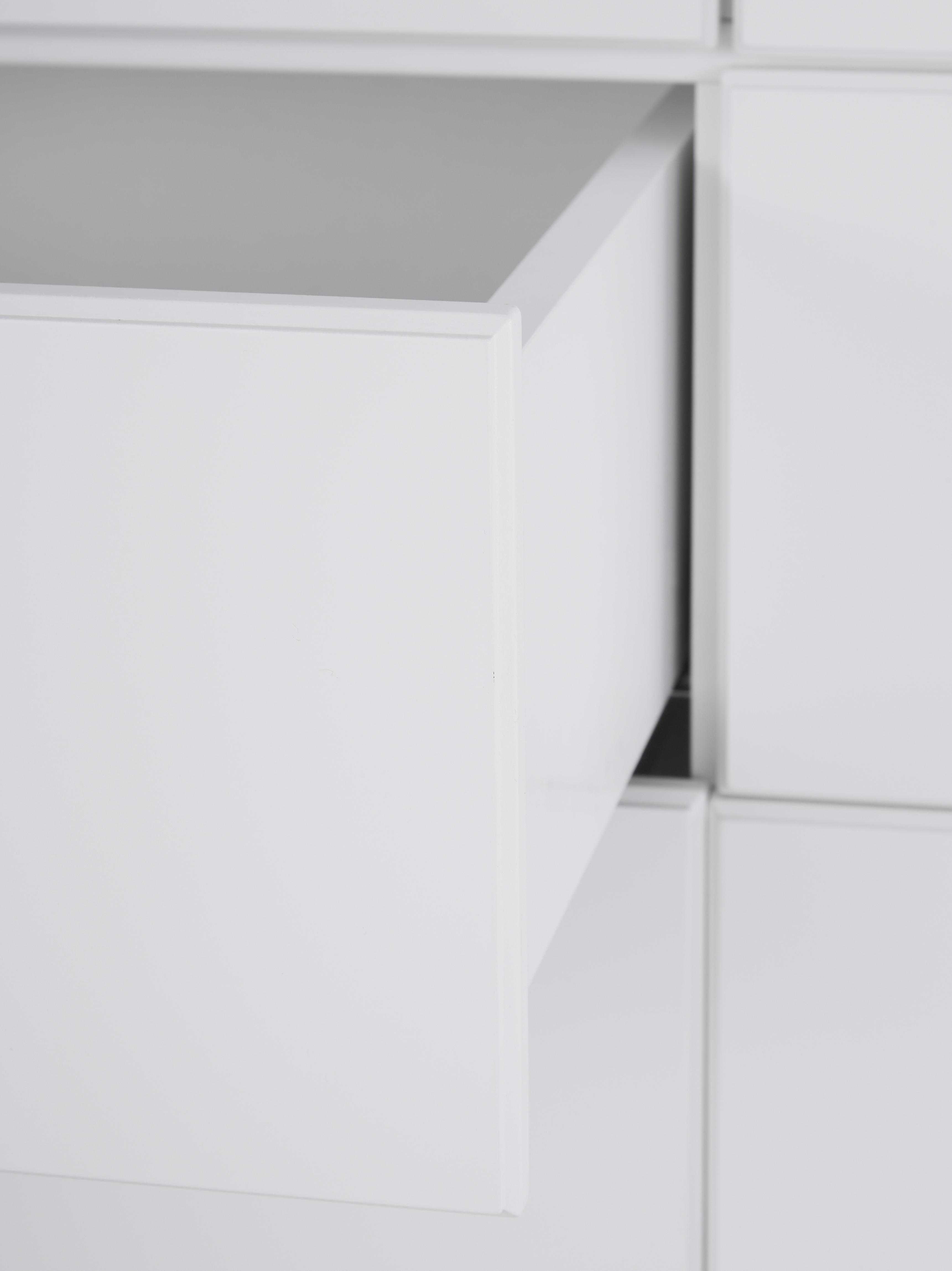 Schrank Harlequin, Front: Plexiglas, Griffe: Messing, Weiss, 106 x 176 cm