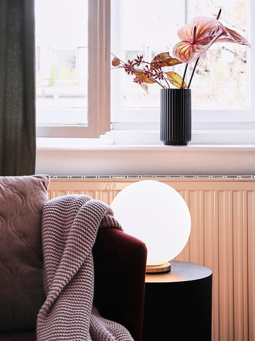 Tischlampe Beth aus Glas, Lampenschirm: Glas, Lampenfuß: Metall, vermessingt, Weiß, Messing, Ø 25 x H 26 cm