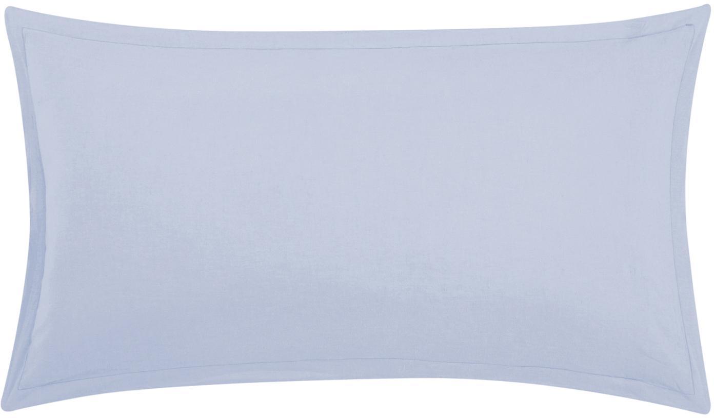 Gewaschene Leinen-Kissenbezüge Nature in Hellblau, 2 Stück, Halbleinen (52% Leinen, 48% Baumwolle)  Fadendichte 108 TC, Standard Qualität  Halbleinen hat von Natur aus einen kernigen Griff und einen natürlichen Knitterlook, der durch den Stonewash-Effekt verstärkt wird. Es absorbiert bis zu 35% Luftfeuchtigkeit, trocknet sehr schnell und wirkt in Sommernächten angenehm kühlend. Die hohe Reißfestigkeit macht Halbleinen scheuerfest und strapazierfähig., Hellblau, 40 x 80 cm