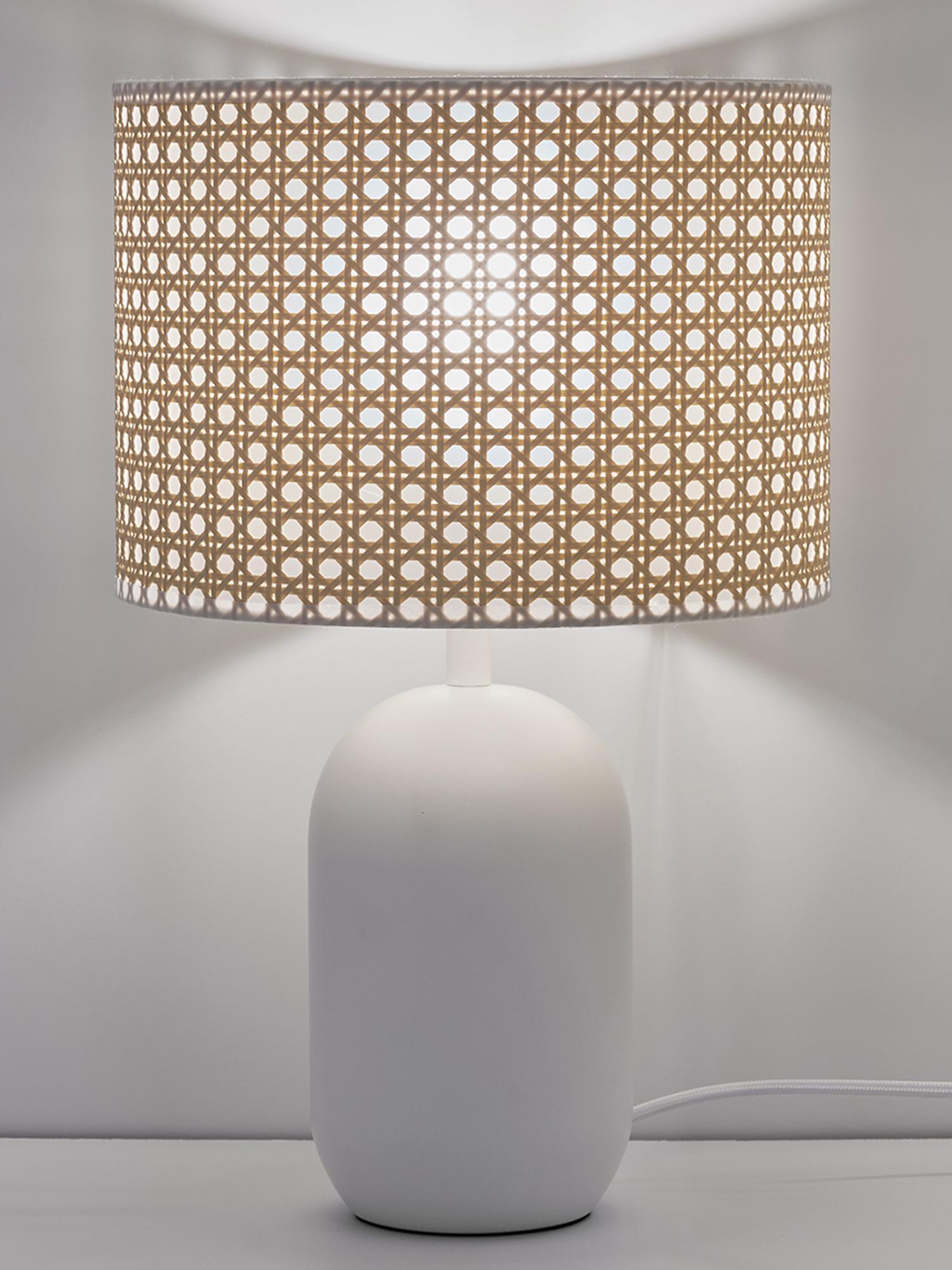 Lampada da tavolo in intreccio viennese Vienna, Paralume: materiale sintetico, Base della lampada: metallo verniciato a polv, Paralume: beige, bianco Base della lampada: bianco opaco Cavo: bianco, Ø 25 x Alt. 40 cm