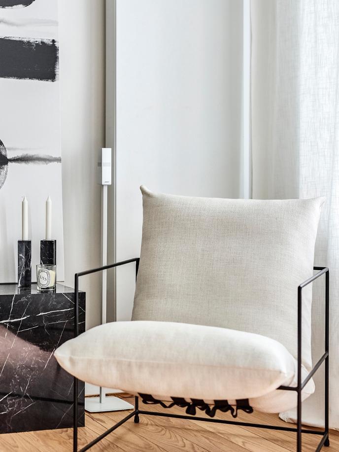 Fotel tapicerowany Wayne, Tapicerka: 80% poliester, 20% len 20, Stelaż: metal malowany proszkowo, Biały, S 69 x G 74 cm