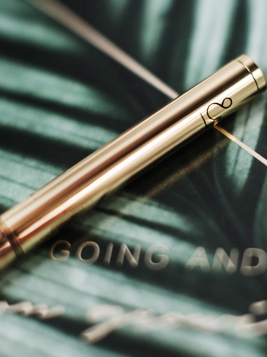 Kugelschreiber Golda, Metall, lackiert, Messingfarben, Ø 1 x L 15 cm