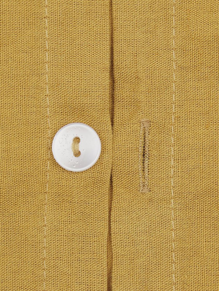 Gewaschene Leinen-Bettwäsche Nature in Senfgelb, Halbleinen (52% Leinen, 48% Baumwolle)  Fadendichte 108 TC, Standard Qualität  Halbleinen hat von Natur aus einen kernigen Griff und einen natürlichen Knitterlook, der durch den Stonewash-Effekt verstärkt wird. Es absorbiert bis zu 35% Luftfeuchtigkeit, trocknet sehr schnell und wirkt in Sommernächten angenehm kühlend. Die hohe Reißfestigkeit macht Halbleinen scheuerfest und strapazierfähig., Senfgelb, 240 x 220 cm + 2 Kissen 80 x 80 cm