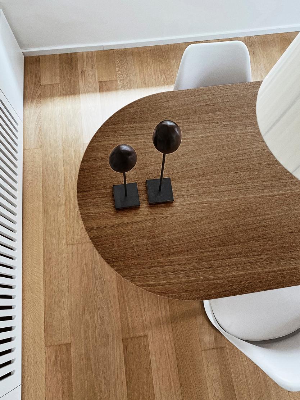 Ovaler Esstisch Toni aus Holz, Mitteldichte Holzfaserplatte (MDF) mit Wallnussfurnier, lackiert, Wallnussfurnier, B 200 x T 90 cm