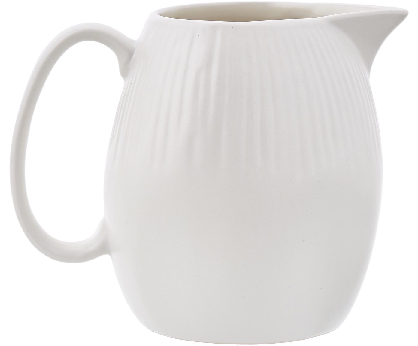 Handgemachtes Milchkännchen Sandvig mit leichtem Rillenrelief, Porzellan, durchgefärbt, Gebrochenes Weiß, Ø 8 x H 9 cm