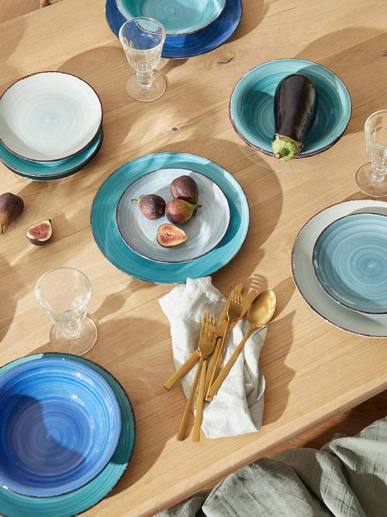 Handbemaltes Geschirr-Set Baita in Blautönen, 6 Personen (18-tlg.), Steingut (Dolomitstein), handbemalt, Blautöne, Verschiedene Grössen