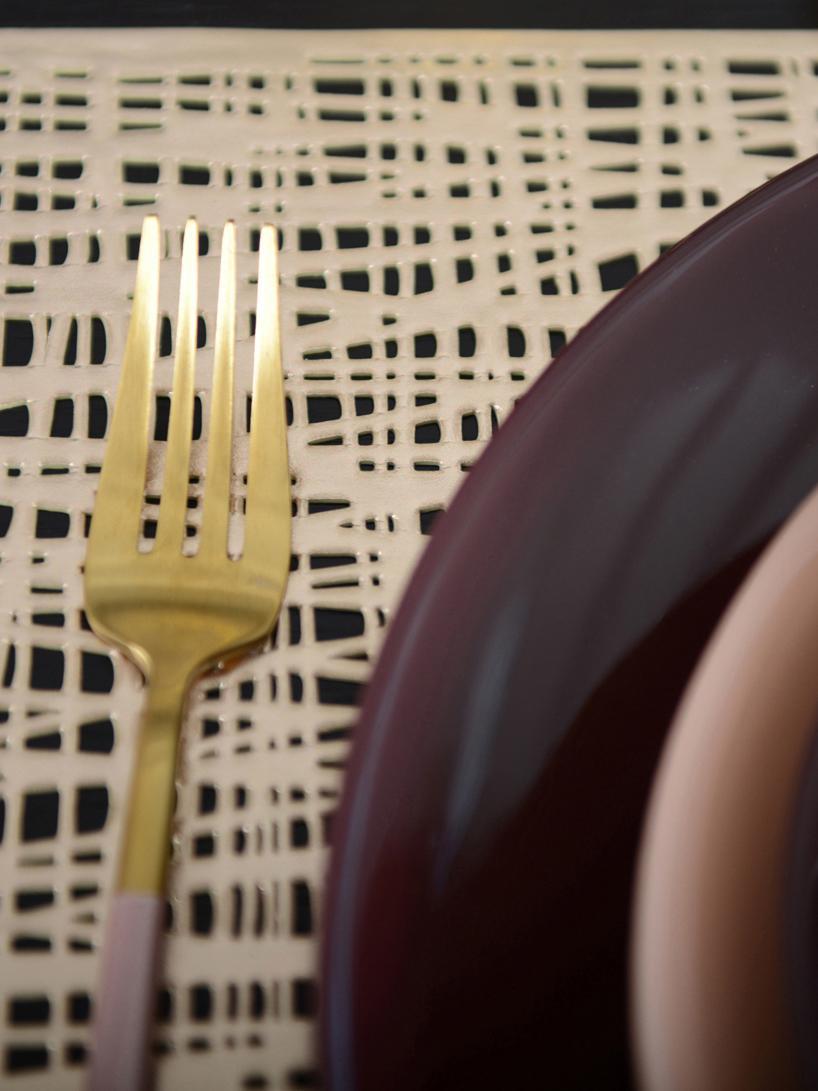 Messingfarbenes Besteck-Set Faina in Matt, 6 Personen (24-tlg.), Edelstahl 18/0, beschichtet, Messingfarben, Schwarz, Set mit verschiedenen Grössen