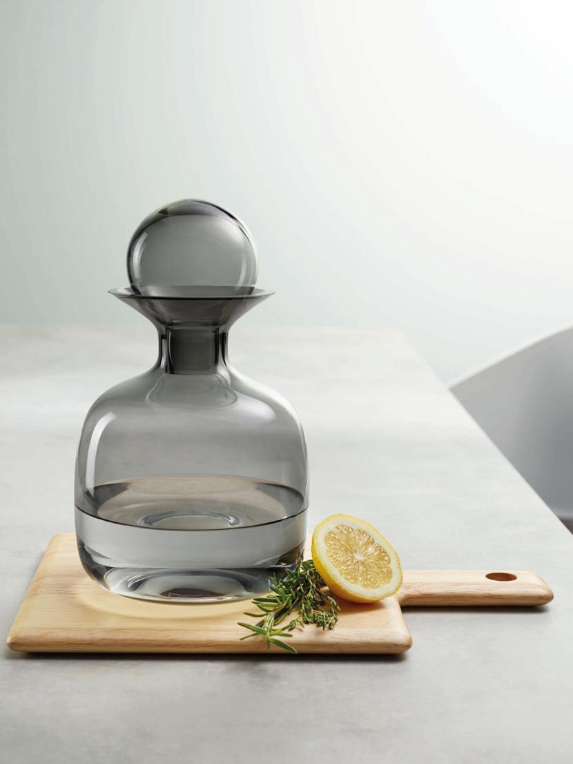 Bottiglia in vetro grigio trasparente Colored, Vetro, Grigio trasparente, 1,5 L