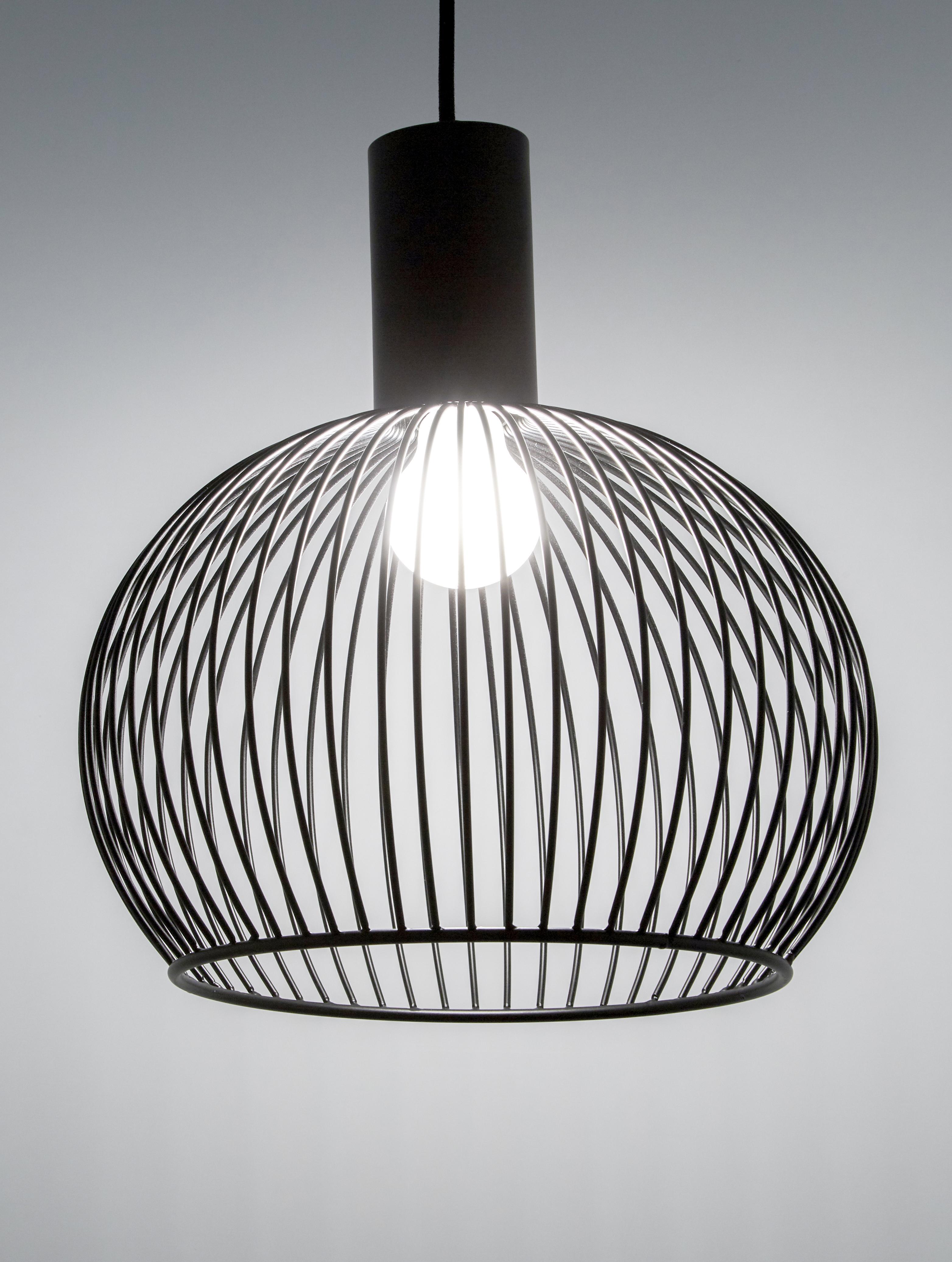 Design hanglamp Aver, Lampenkap: gelakt staal, Baldakijn: kunststof, Zwart, Ø 40 x H 45 cm