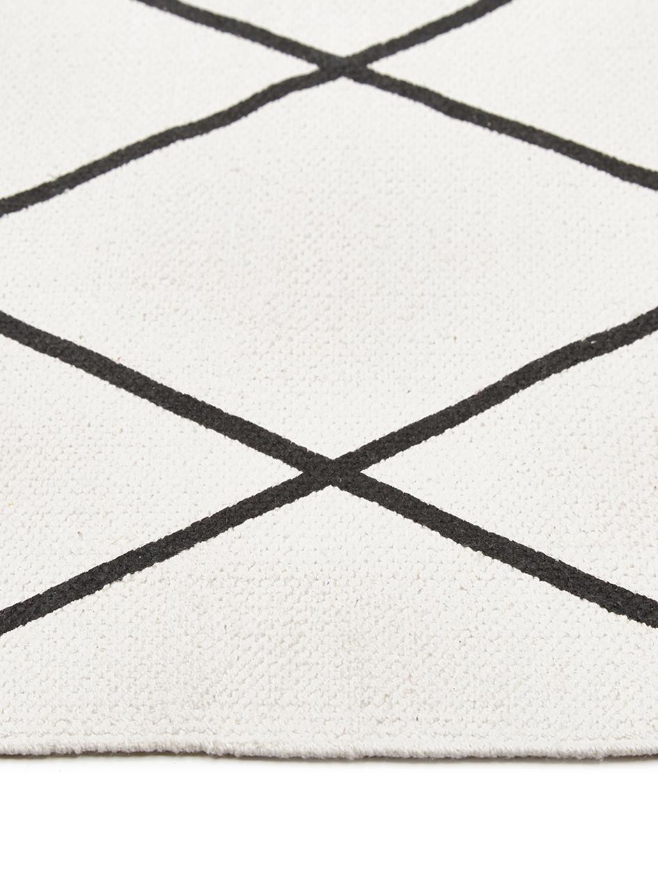 Tapis tissé à plat graphique blanc et noir Farah, Blanc crème, noir