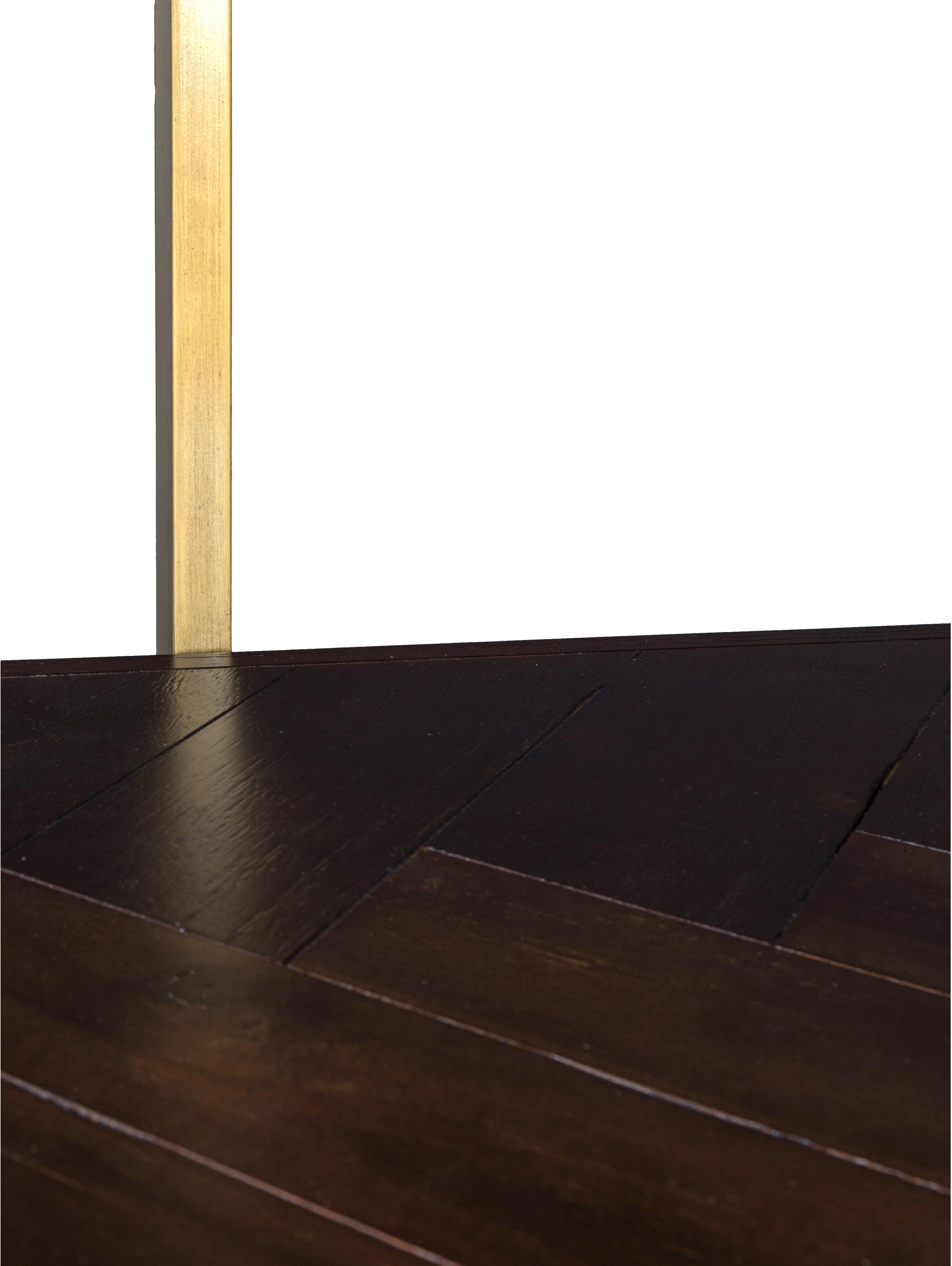 Libreria a spina di pesce Class, Struttura: metallo, Ripiani: Pannello di fibra a media, Mensole: Acacia Struttura: colori ottone antico, Larg. 140 x Alt. 146 cm